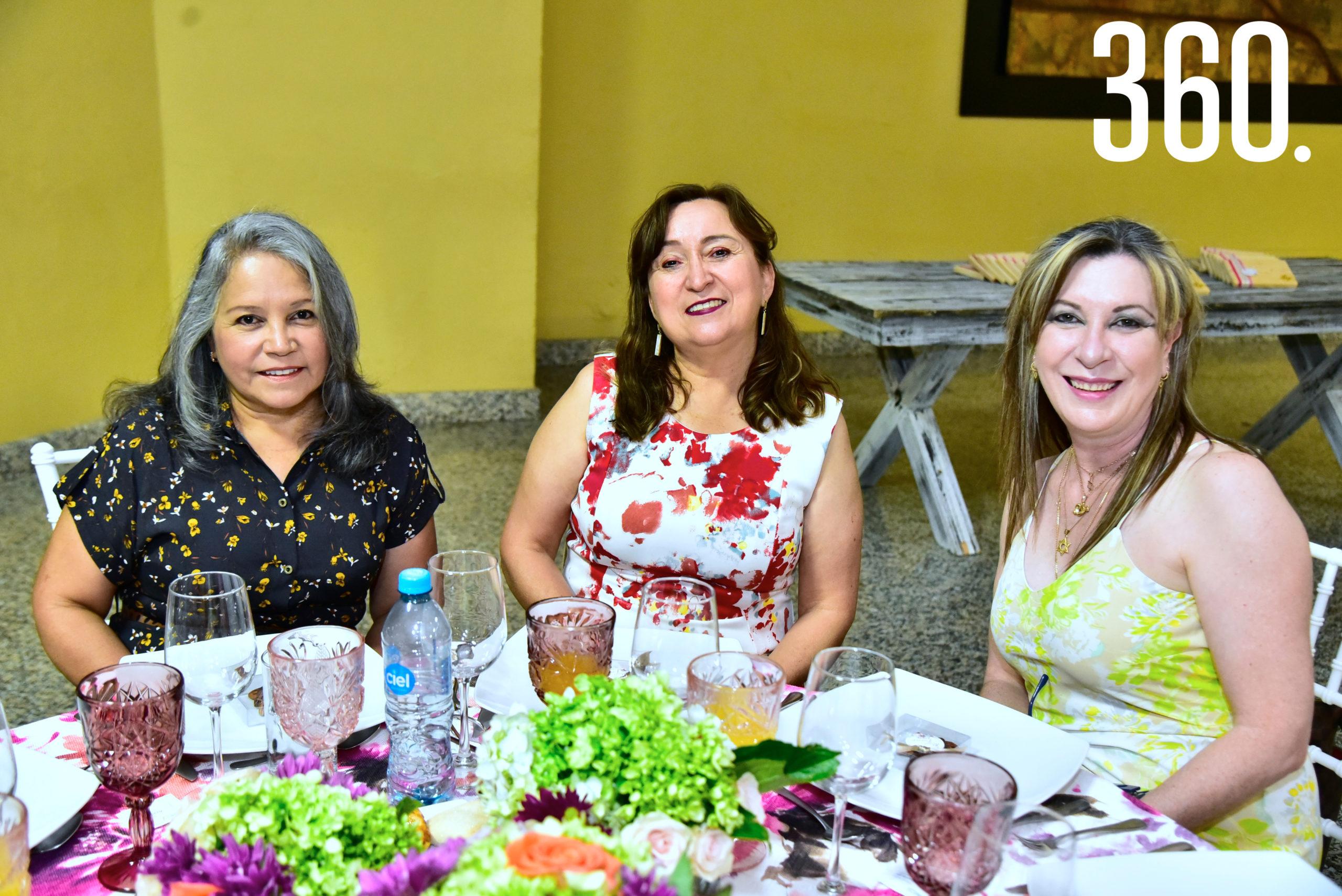 Alejandra Rodríguez, Diana García y Máyela Salinas.