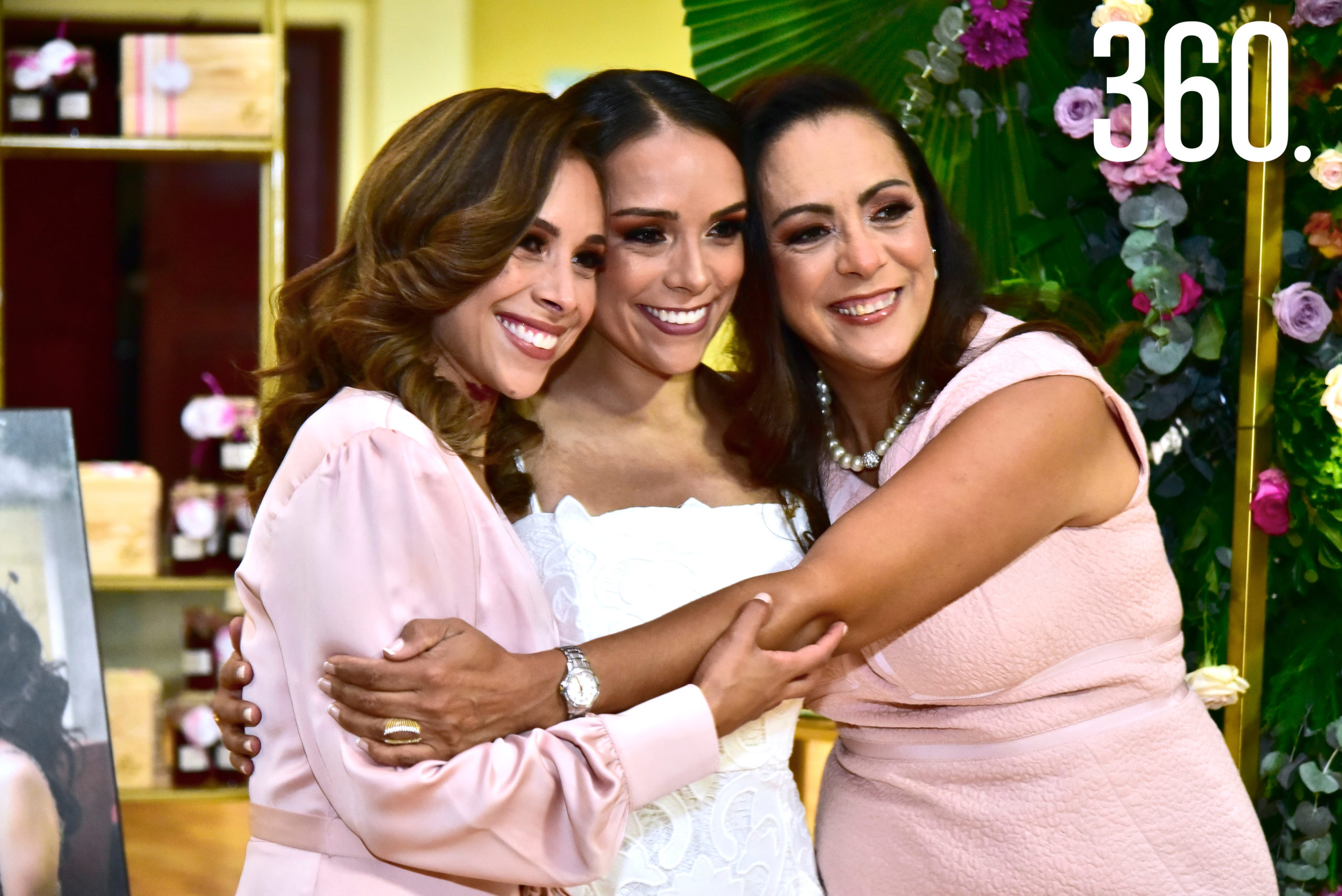 Marielena Molina, María Fernanda Molina y Luz Elena Berrueto.