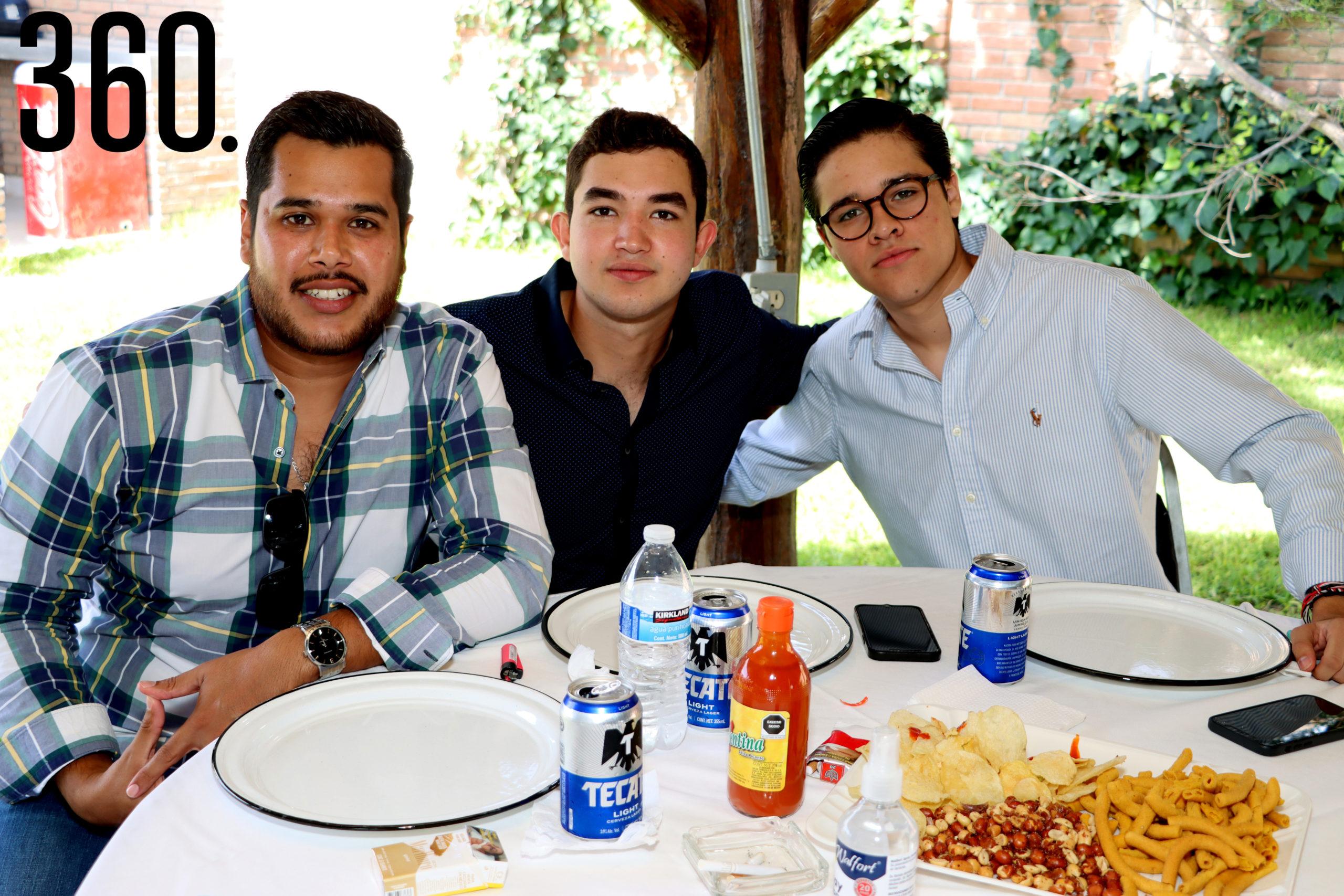 Pepe Rodríguez, Ramón Mario Oyervides y Rodrigo Sánchez.