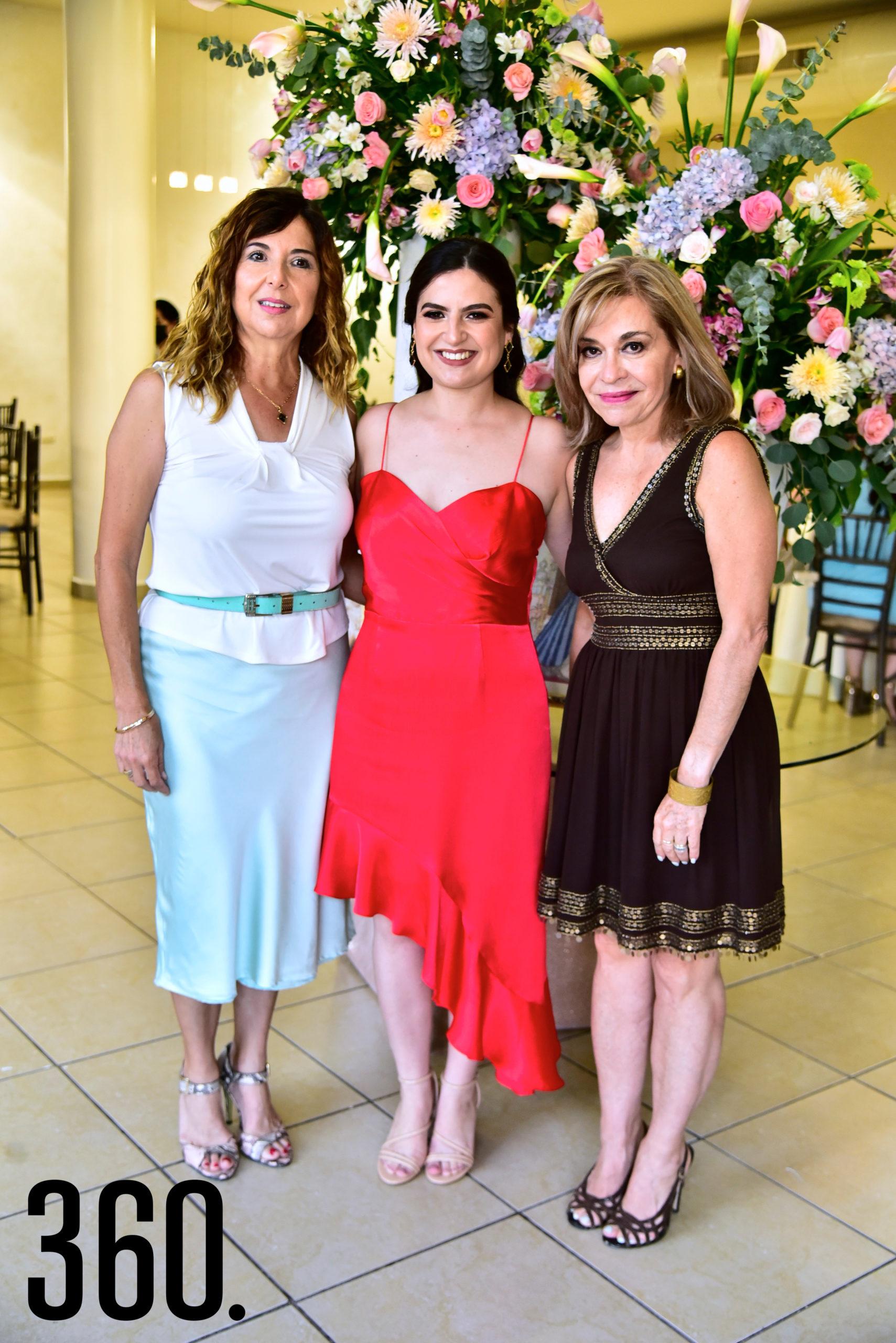 Lidia Saucedo, Ana Sofía Saucedo Orta y Sara Orta.
