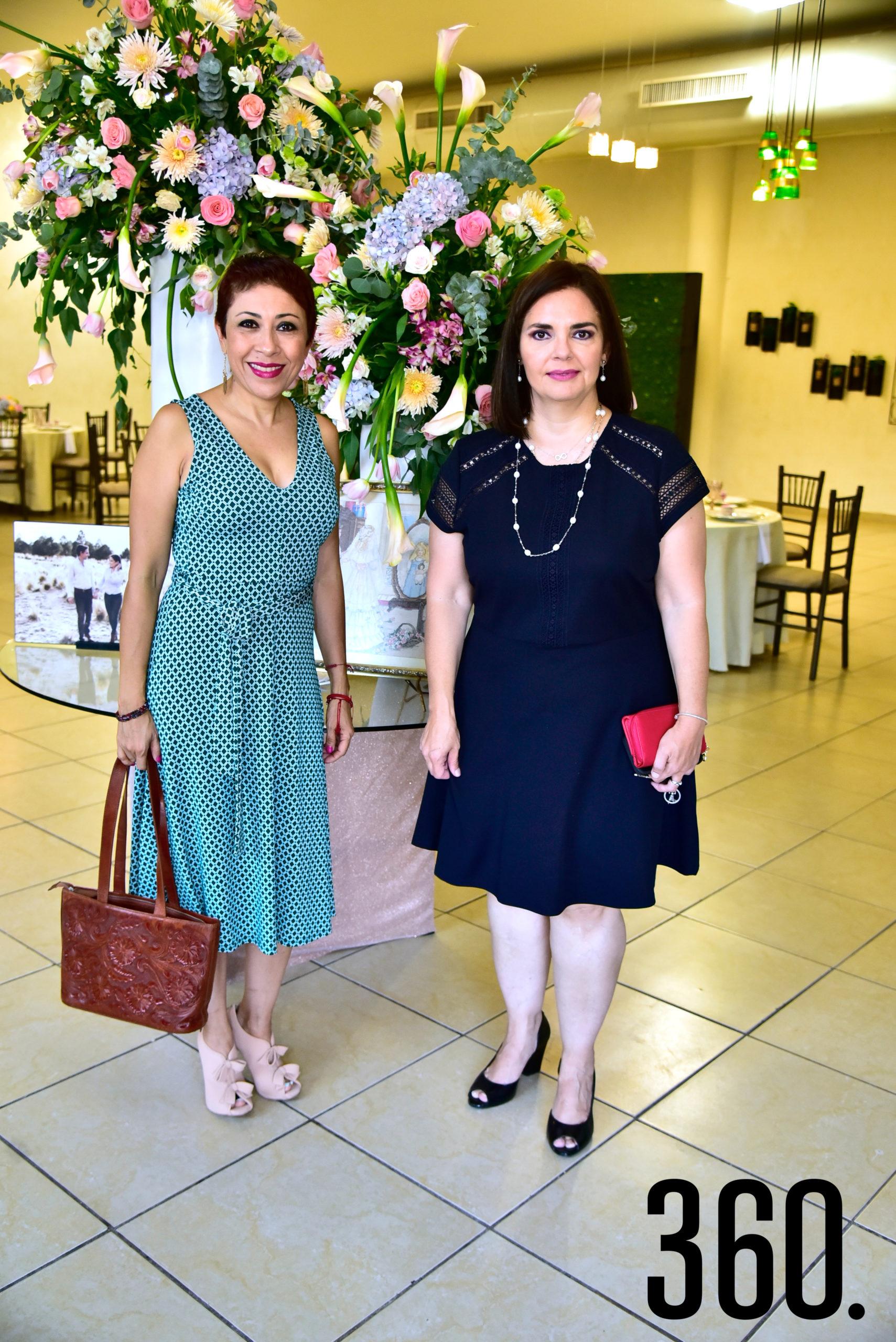 Mónica Jiménez y Gabriela De León.