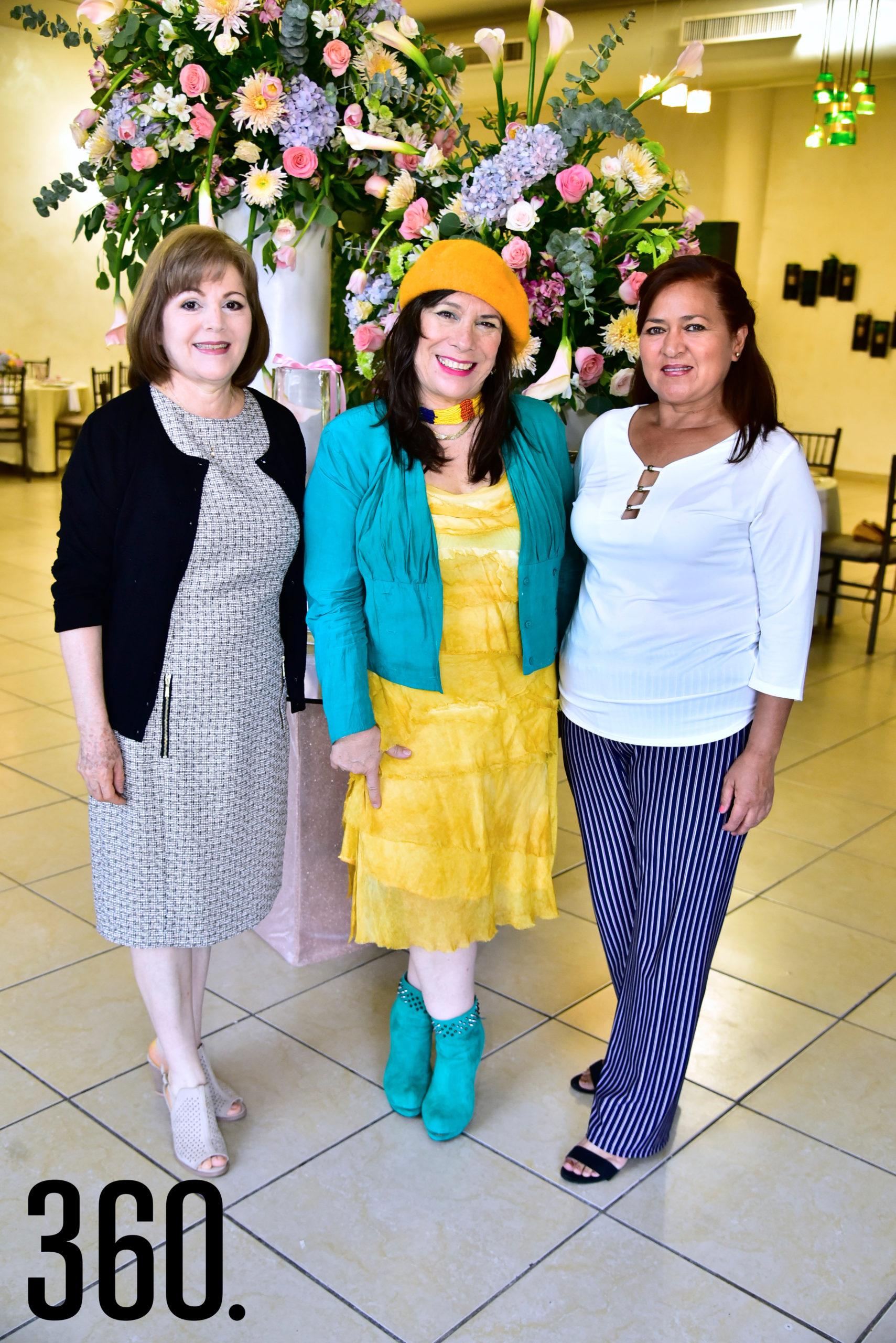 Alicia Robles, Araceli Baldizón y Fina García.