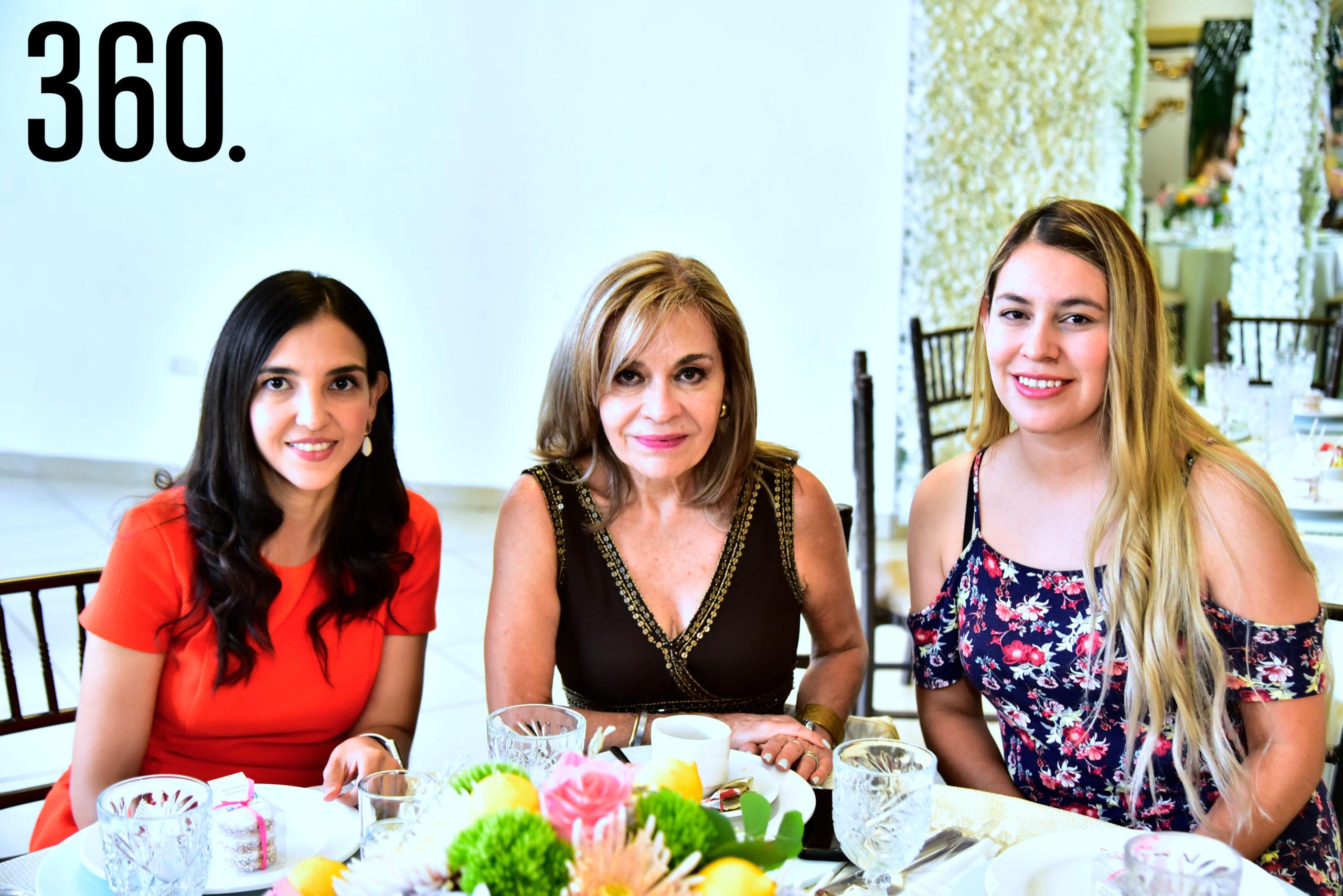 Aidé Calvillo, Sara Orta y Janeth Muñoz.