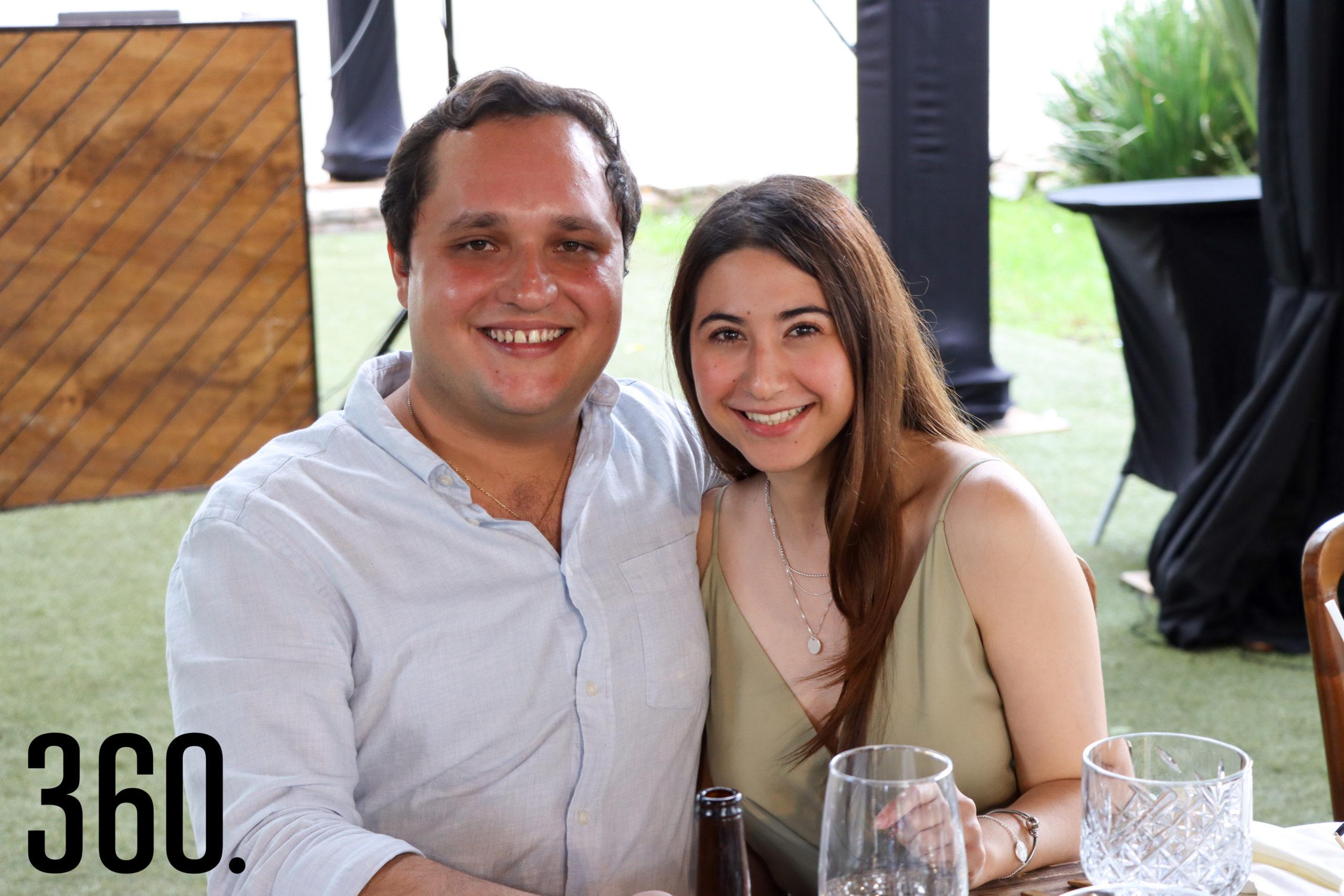 Fernando Valdés y Mariana Valdés.
