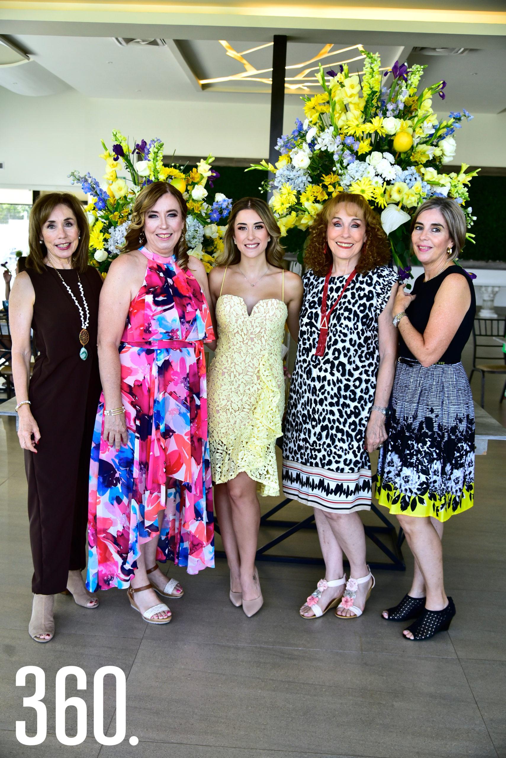 Ana Luisa, Denigris, María Isabel Denigris, María Isabel Ayup, Maru Eugenia Denigris y Lorena Denigris.