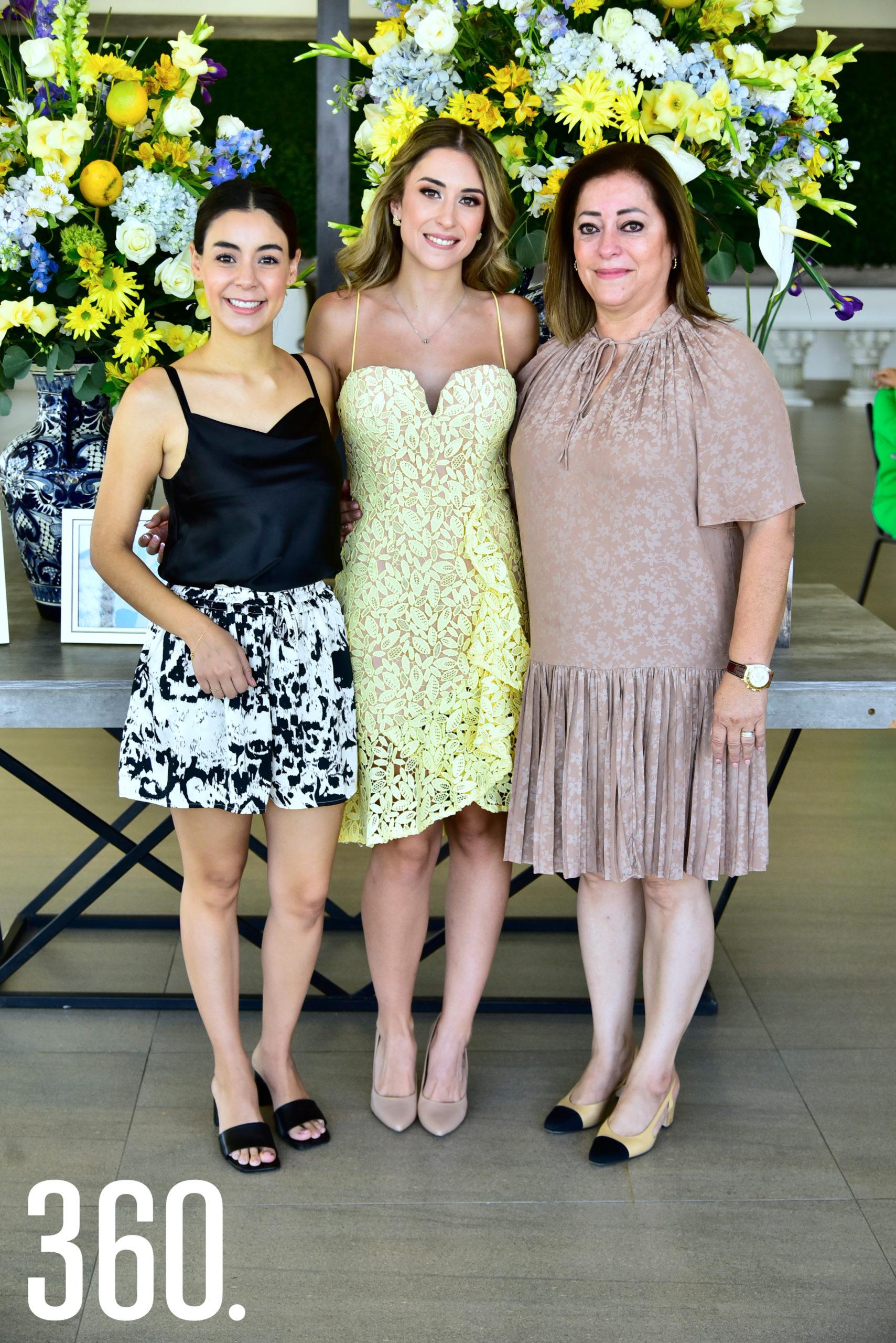Sofía Mourey y Blanca Ayup.