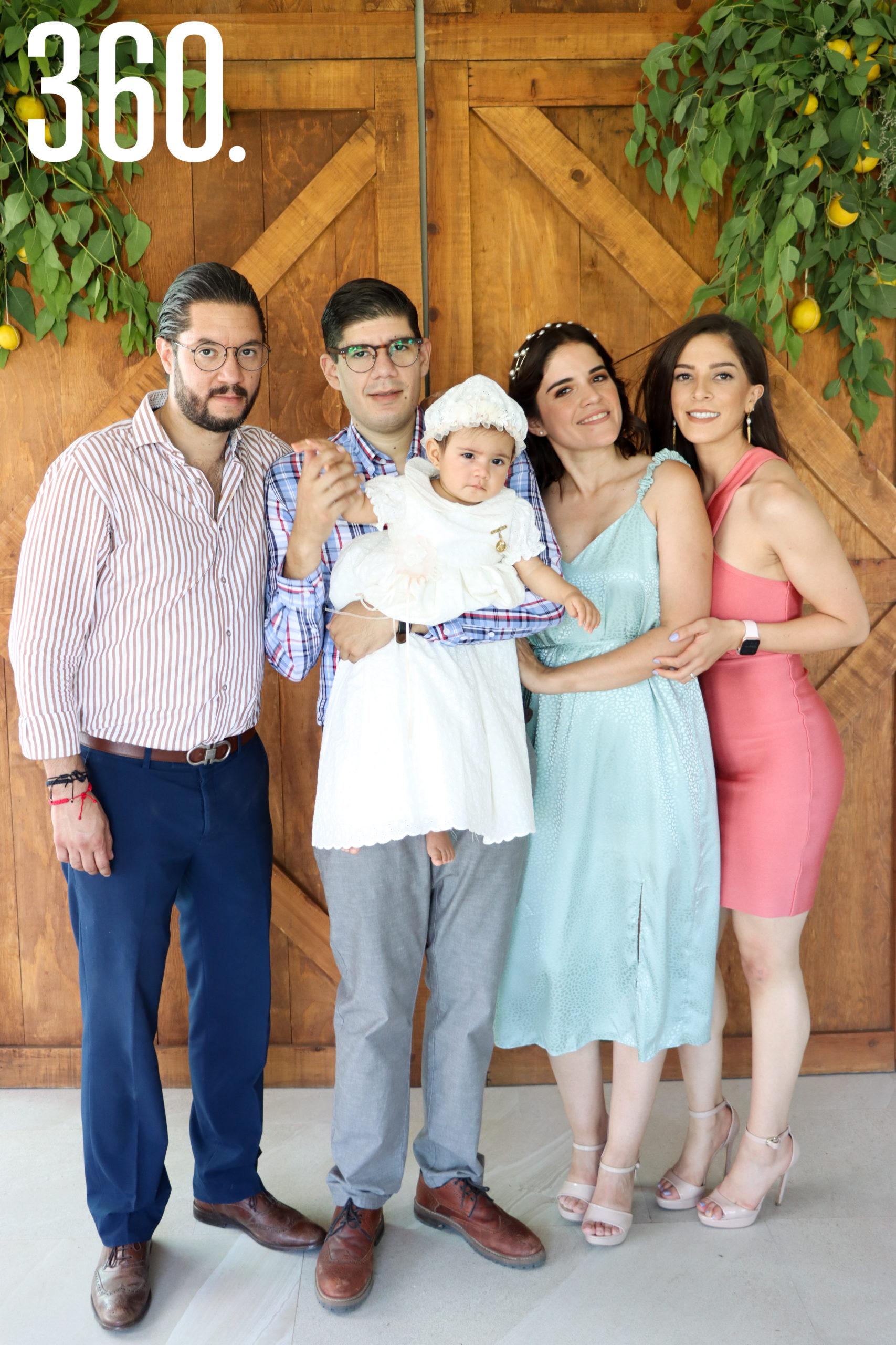 Quique Salinas, Mauricio Pacheco, Constanza Pacheco, Pamela Ramos y Frida Mancha.