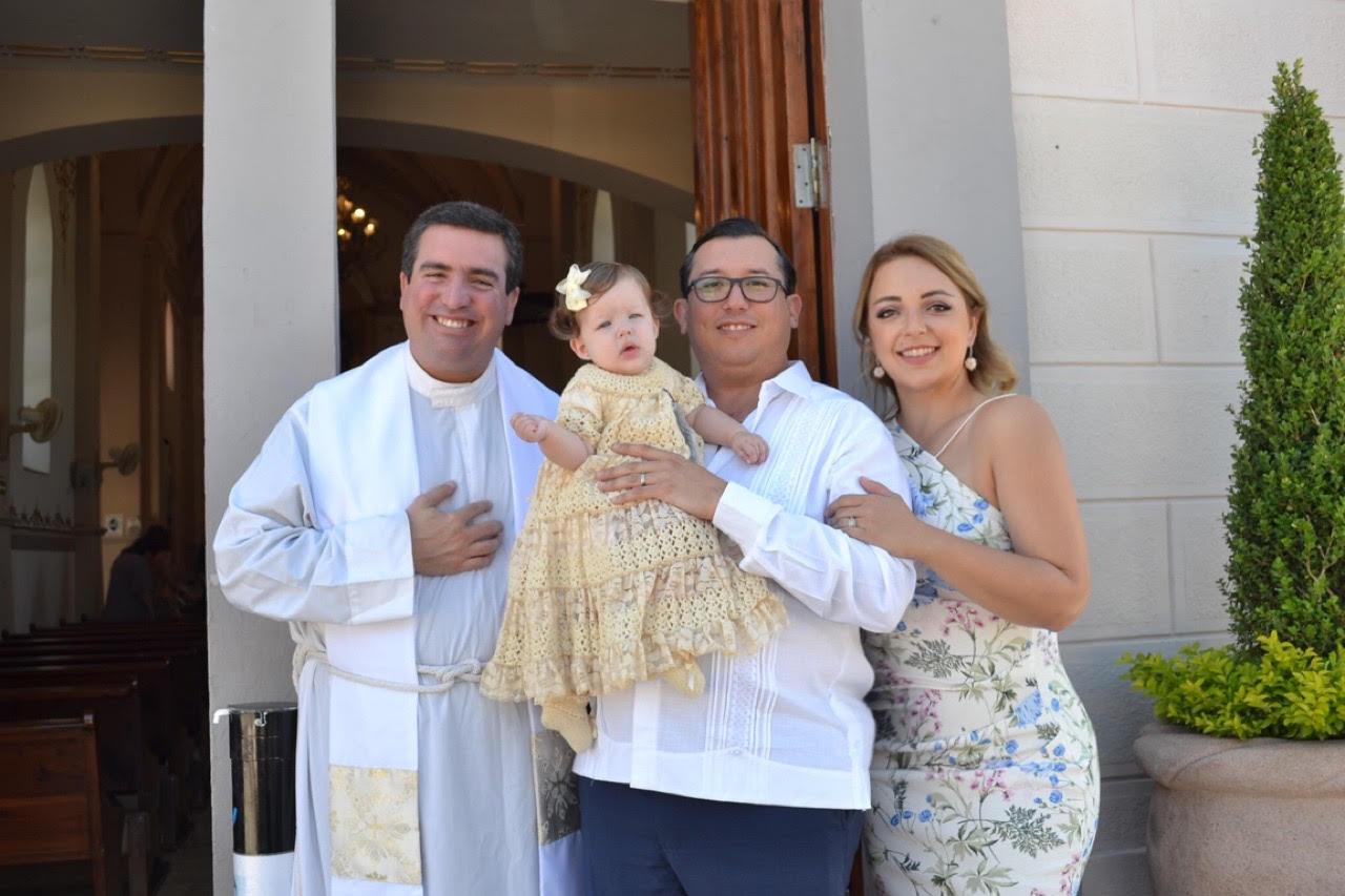 Padre Juan Antonio Ruiz L.C., Ivanova Villarreal, Sergio Villarreal e Ivanova de Villarreal
