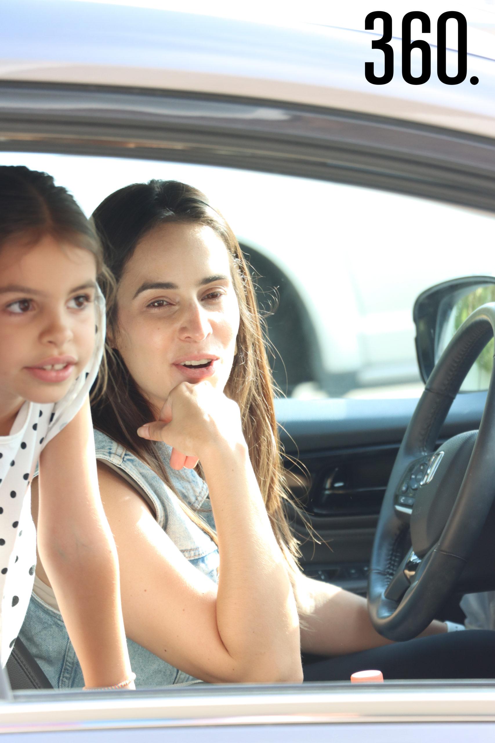 Viviana Rodríguez y Elena Díaz.