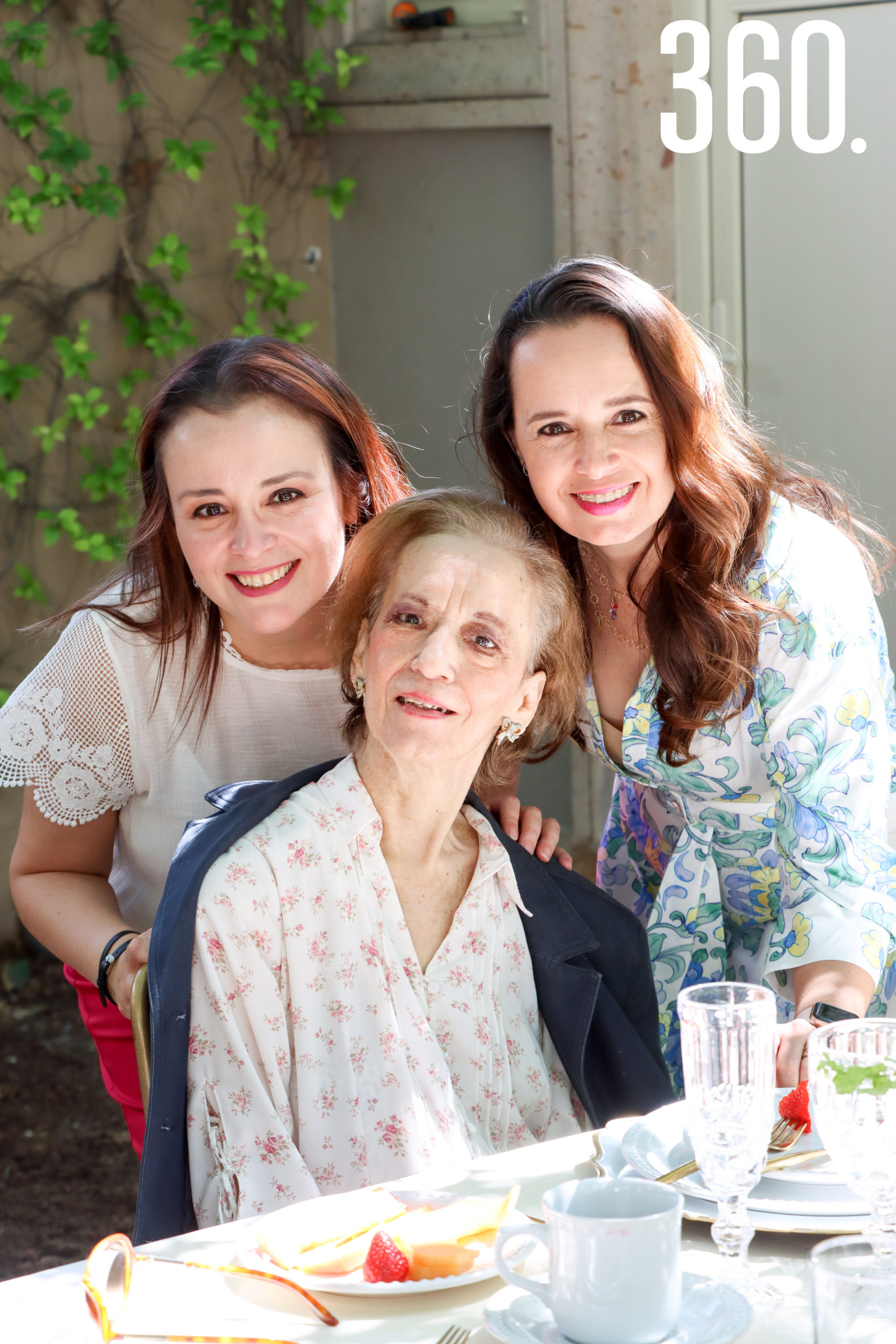 Karla Páez, Lety Corona y Nora Martínez.