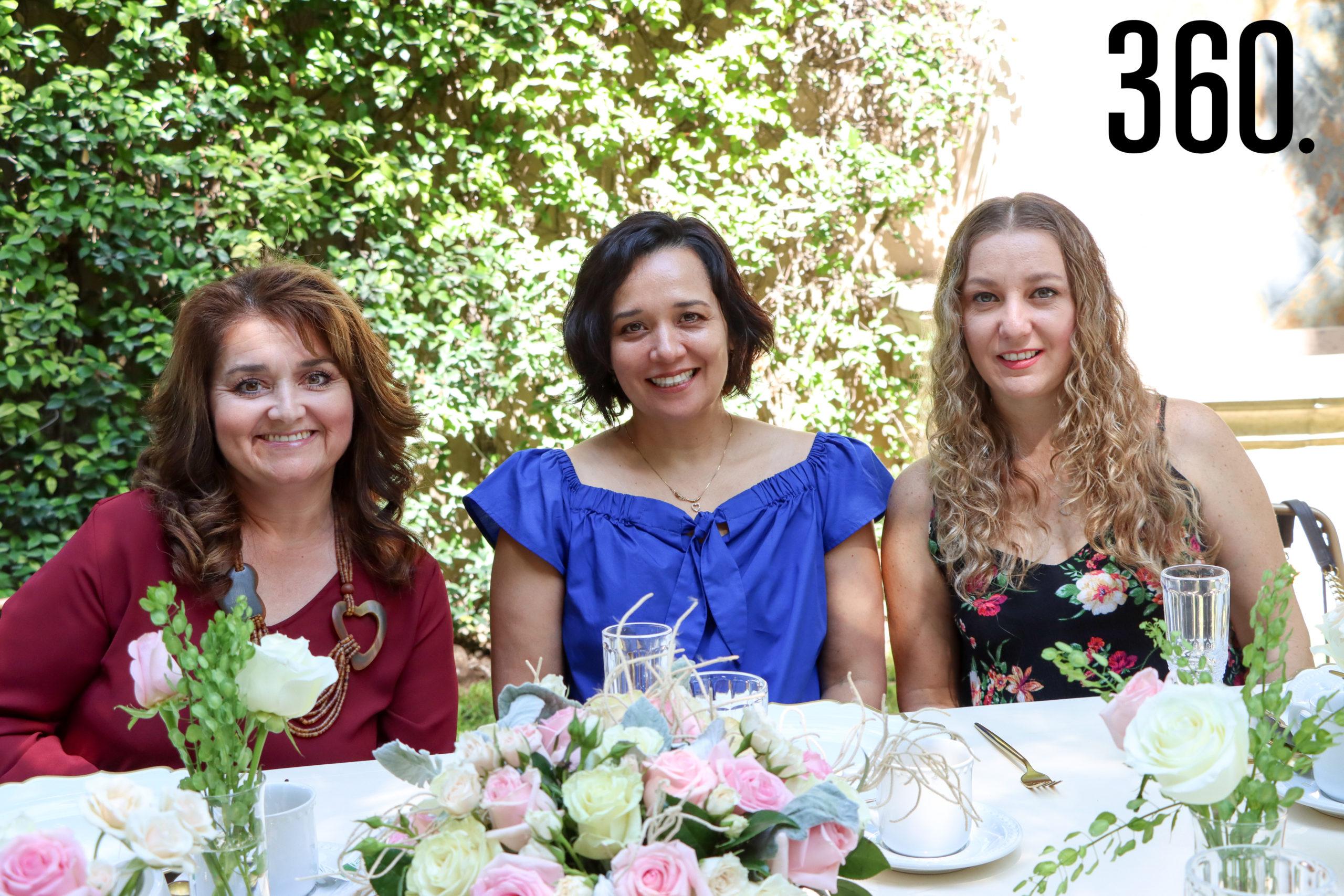 Angélica García, Martha Vélez y Janny Reyes.