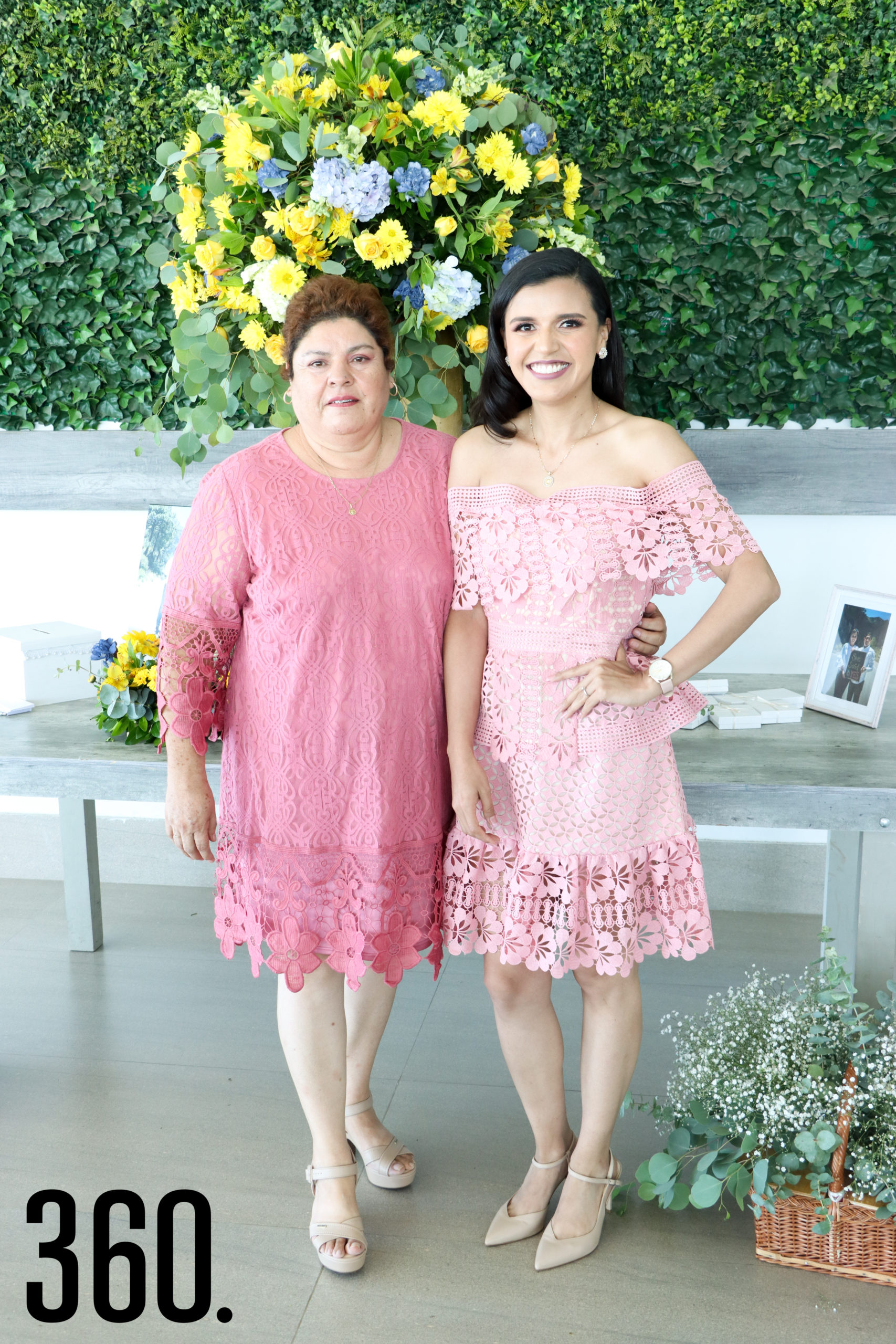 Sheila con su madre, Justina Orozco.