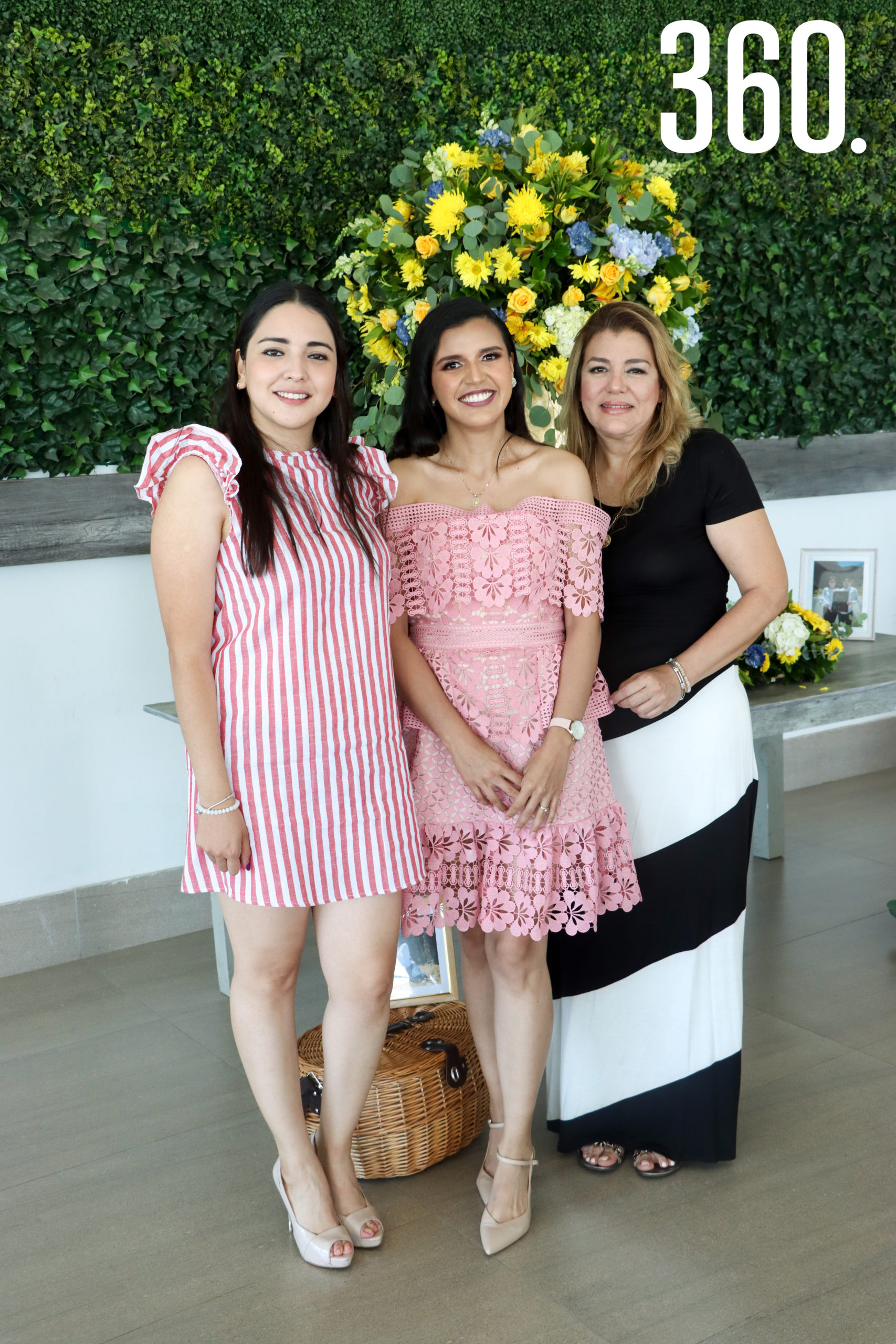 Sheila con Vero Herrera y Rocío Franco.