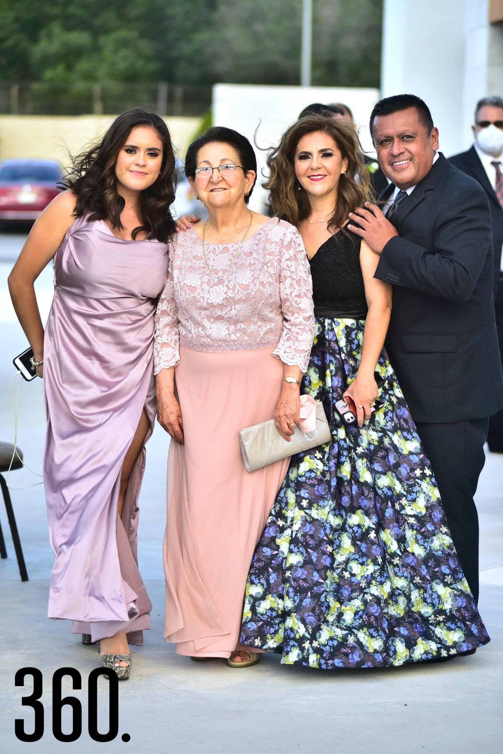 Amira Rodríguez, María Luisa Abugarade, Yolanda Ramos y Alejandro Rodríguez.