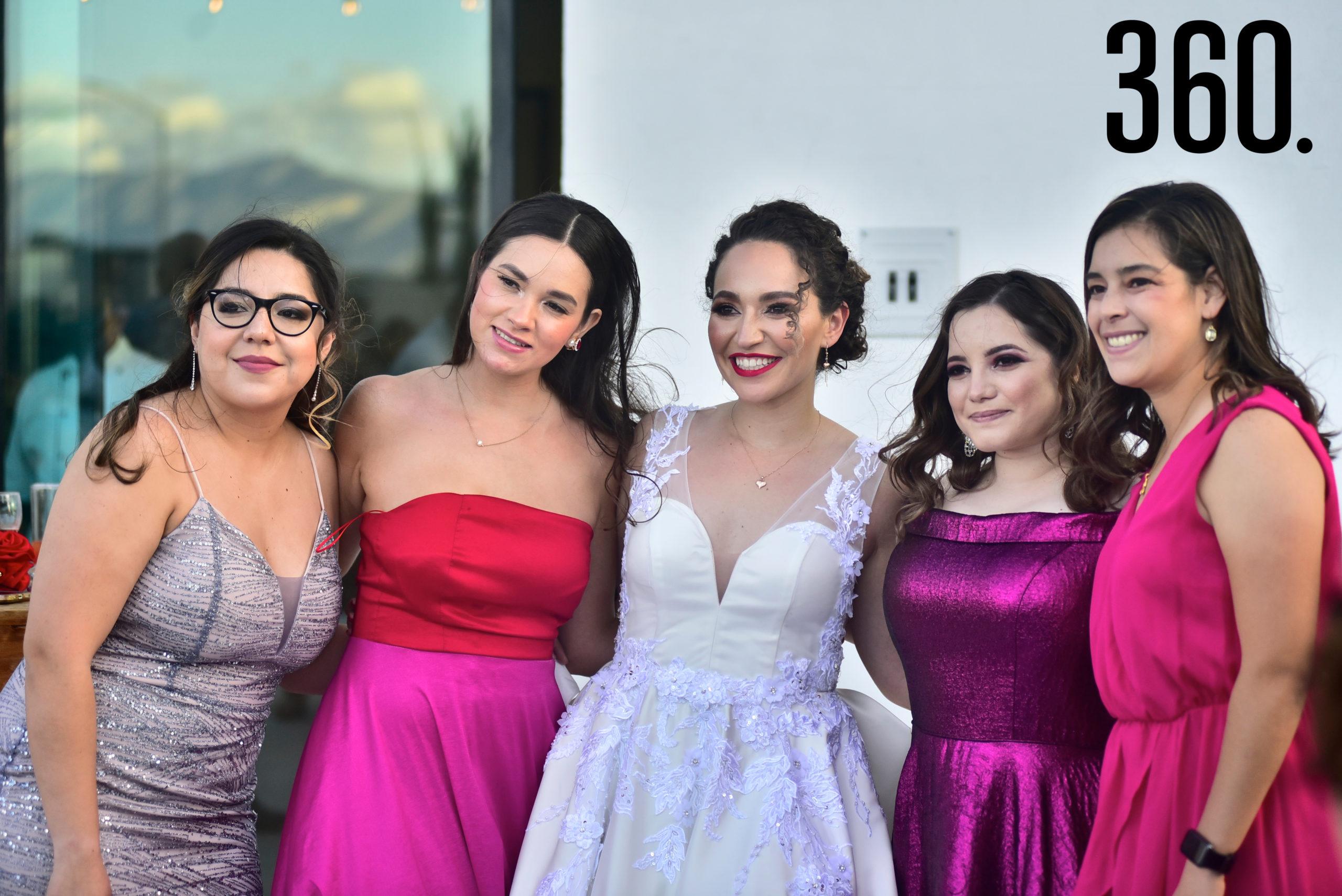 Claudia Hernández, Montserrat Mireles, Ana Cecilia Romero, Beatriz Madrazo y Adriana Ruiz.