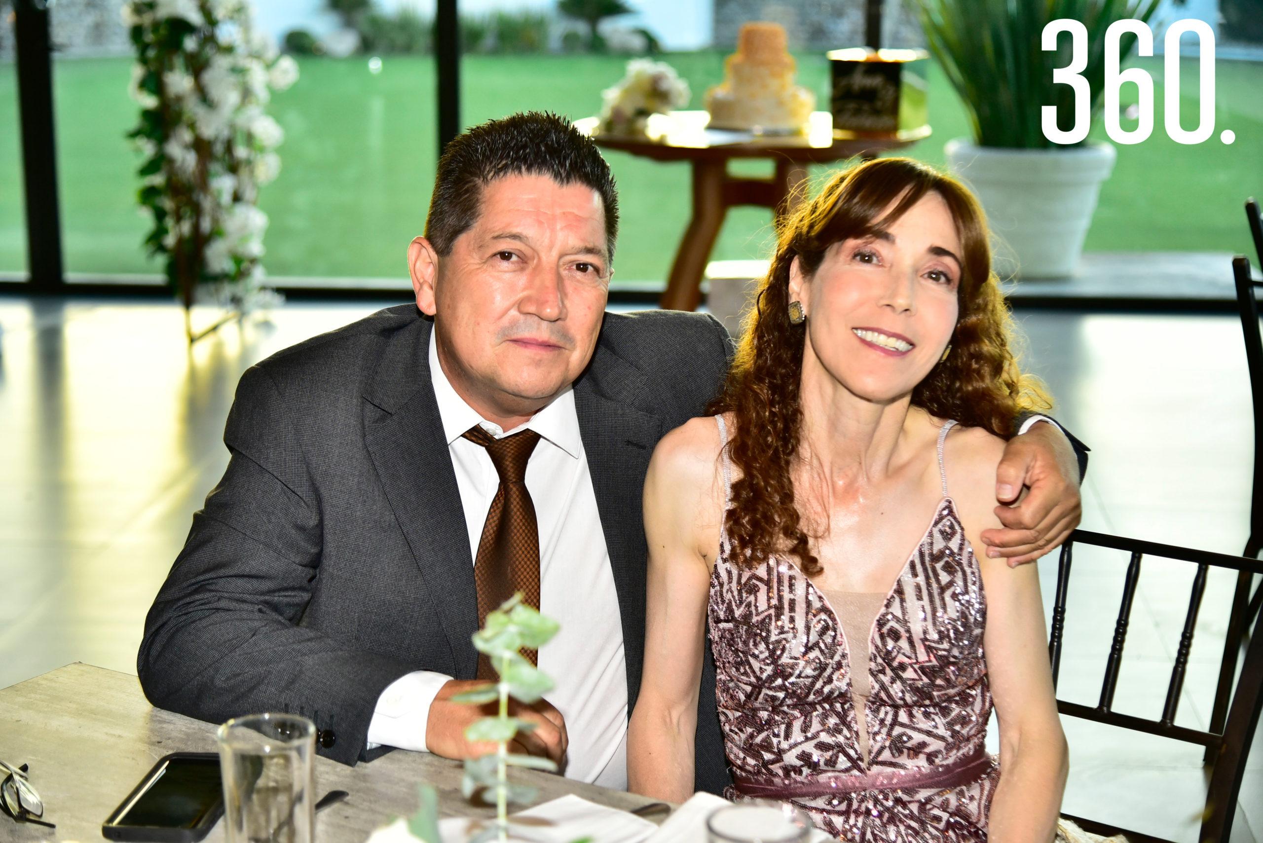 Víctor Villalobos y Elena Romero.