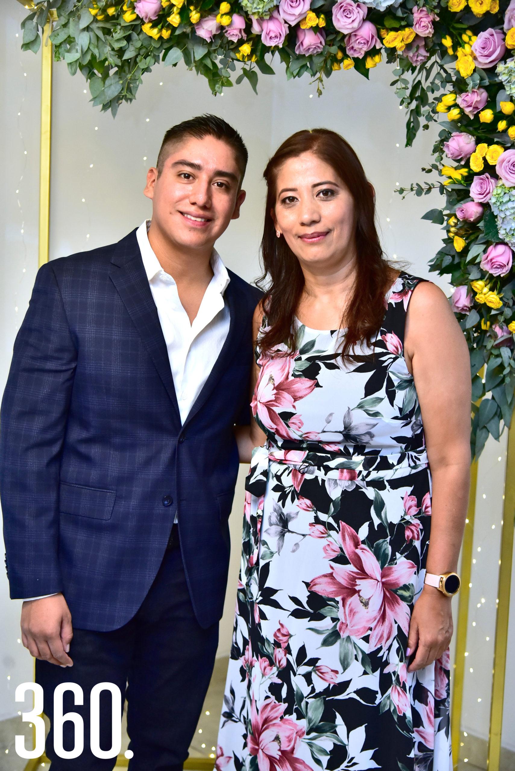 Jonathan Jiménez Esquivel y Araceli Esquivel.