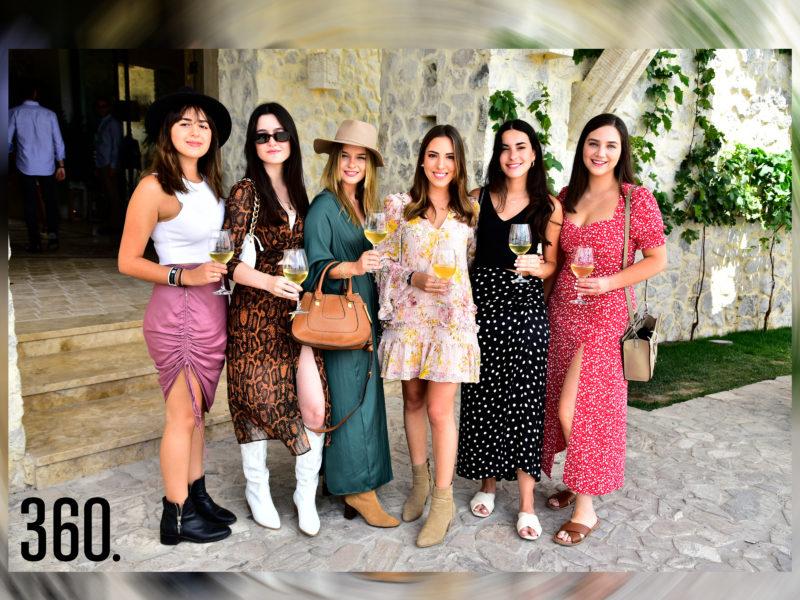 Fabiana Ferriño, Sofía Garza, Alejandra Garza, Ivonne Vega, Karina García y Fátima Villarreal.