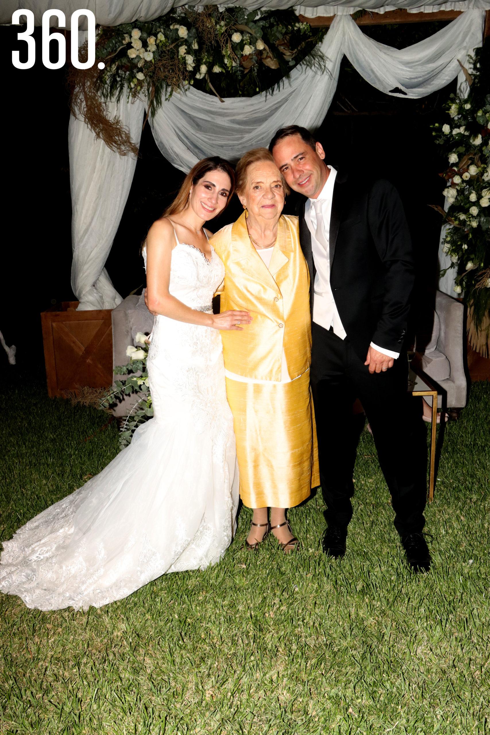 María Cristina López Malacara acompaño a María Alejandra y Jorge en su boda.