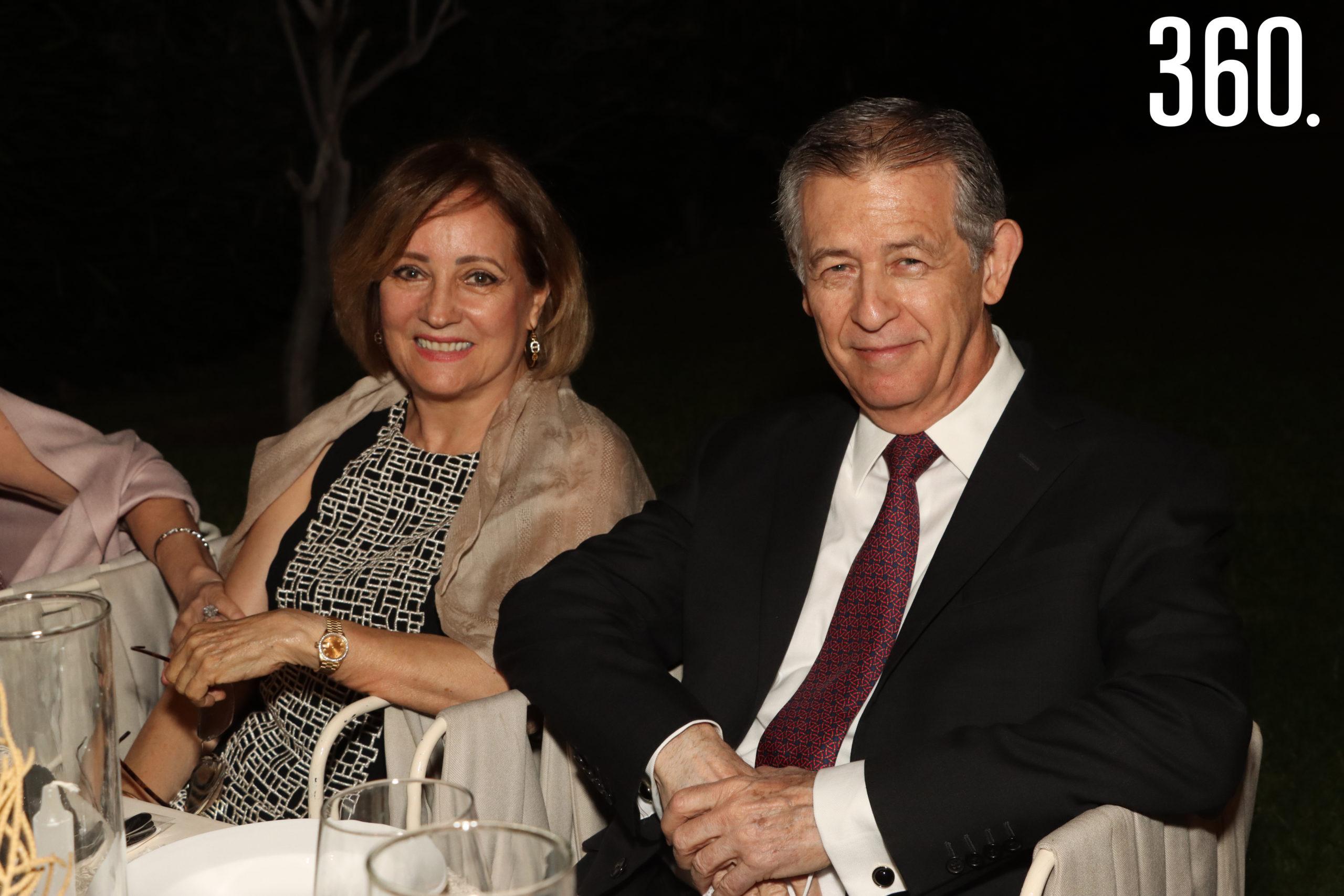 Elma Rodríguez y Miguel Arizpe.