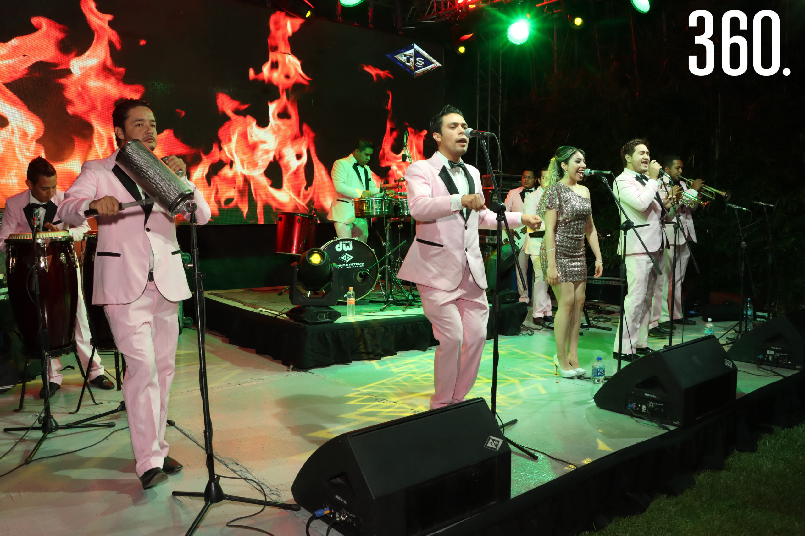 La Sonora Dopamina amenizó la boda de María Alejandra y Jorge.