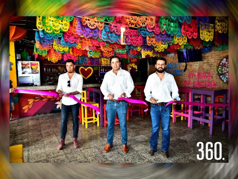 Corte de listón por Luis Ricalde, Chuy César y Rodrigo Ruvalcaba.