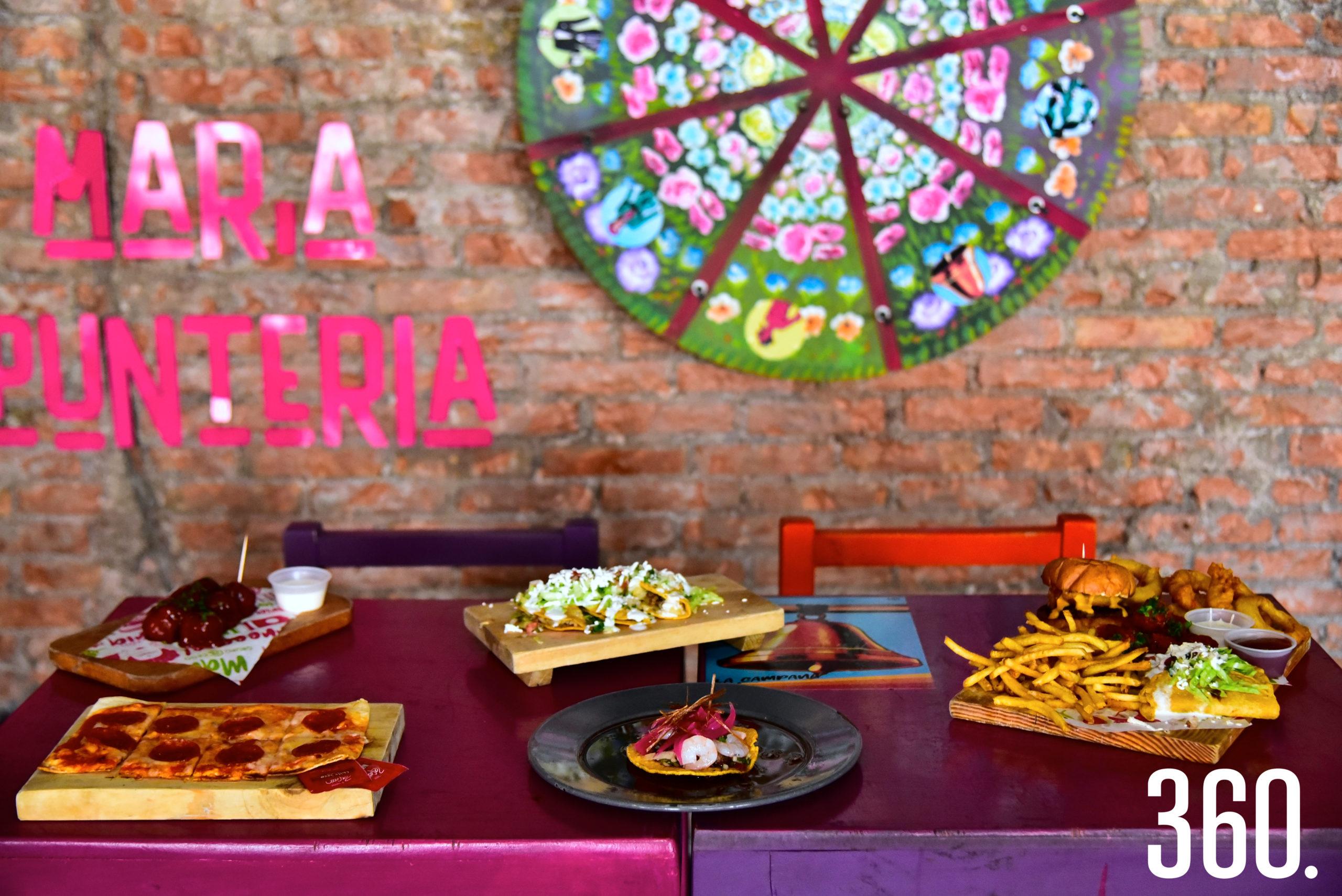 Ofrecen desde platillos tradicionales mexicanos hasta clásicos como pizzas y hamburguesas