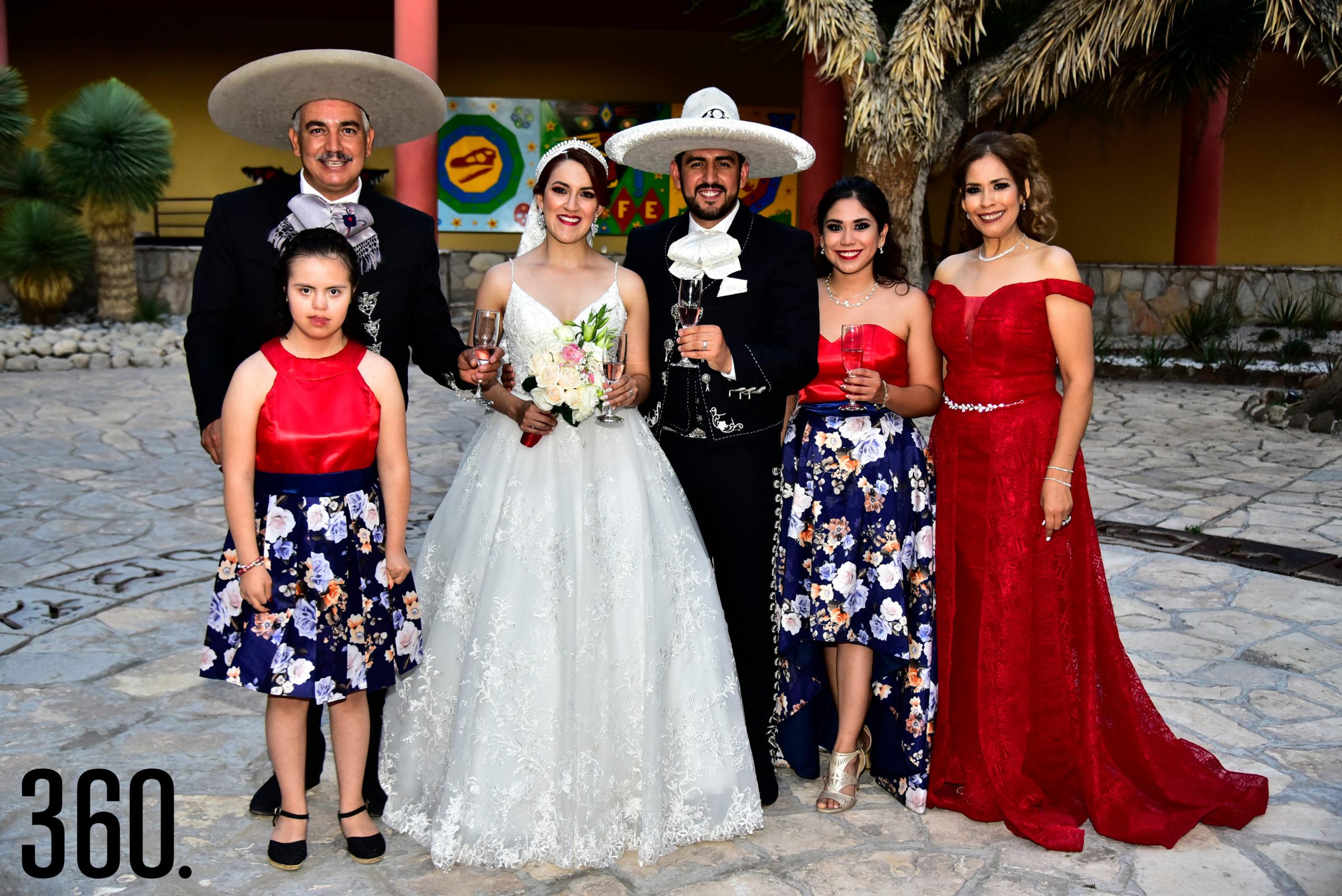 María Rene Ríos, Gabriel Ríos, Valeria Flores, Rudiger Gabriel Ríos, Gabriela Denise Ríos y María De Jesús Valles.