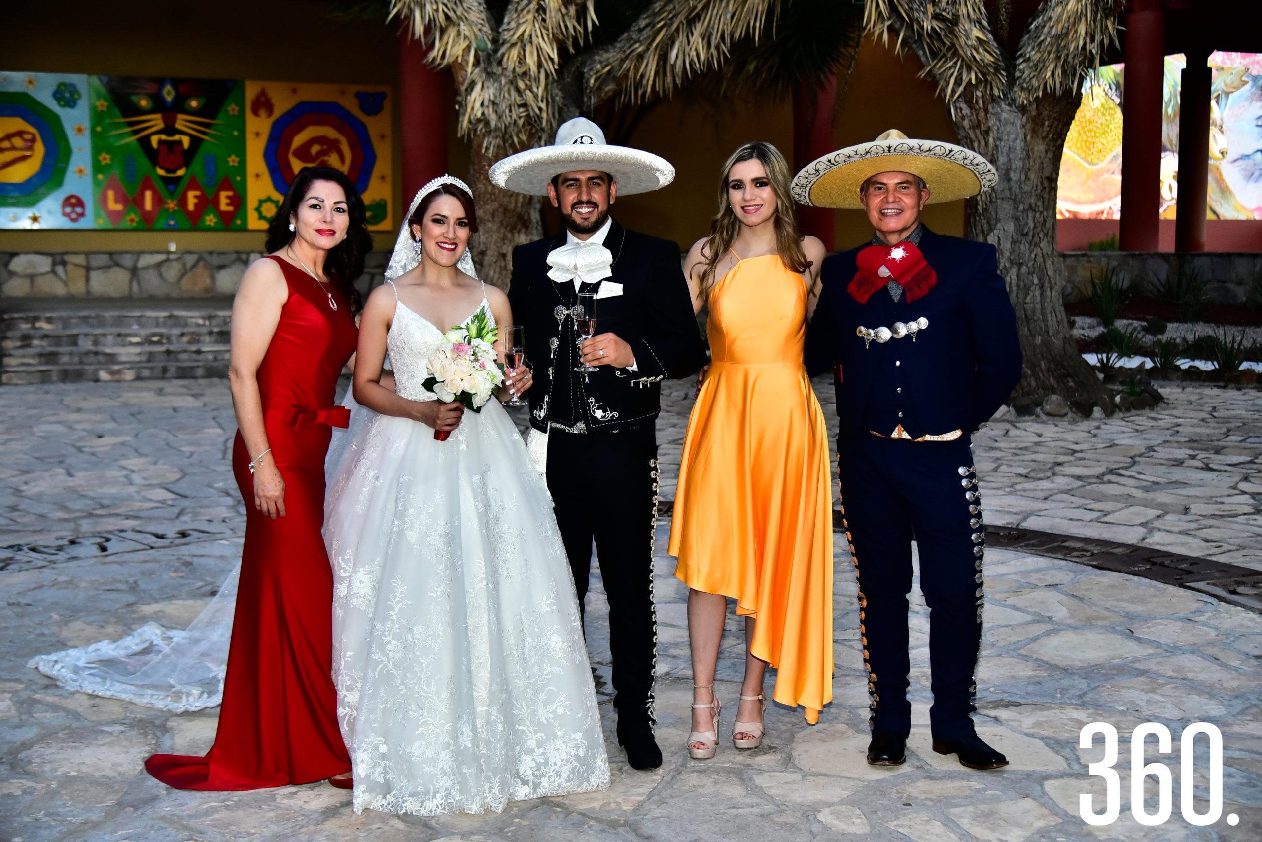 Aida Burciaga, Valeria Flores, Rudiger Gabriel Ríos, Andrea Saldaña y Víctor Burciaga.