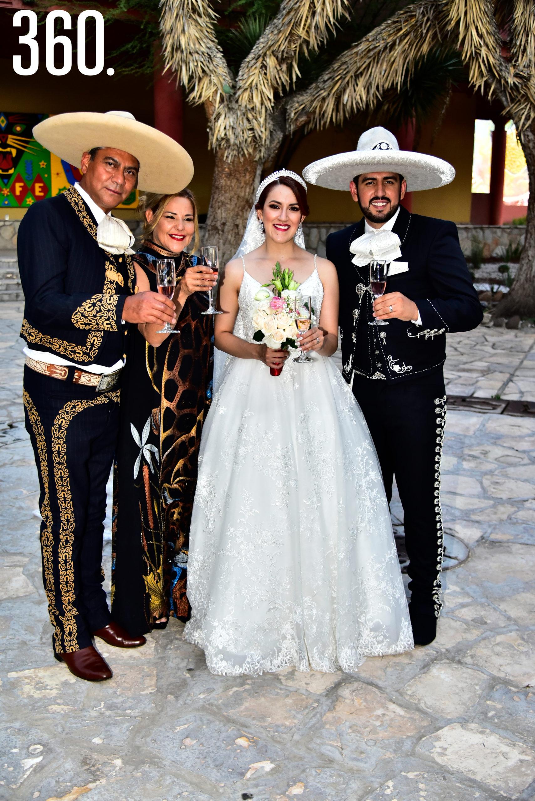Juan Zaldívar, Ayeza Muñoz, Valeria Flores y Rudiger Gabriel Ríos.