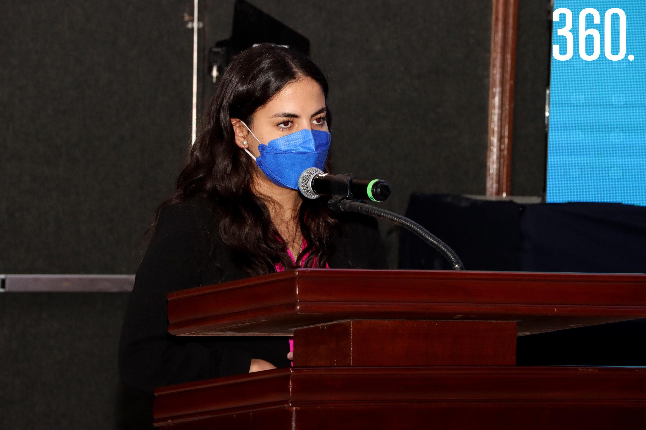 Andrea Benavides García del área de Liderazgo y Vivencia, compartió unas palabras con los asistentes al evento.