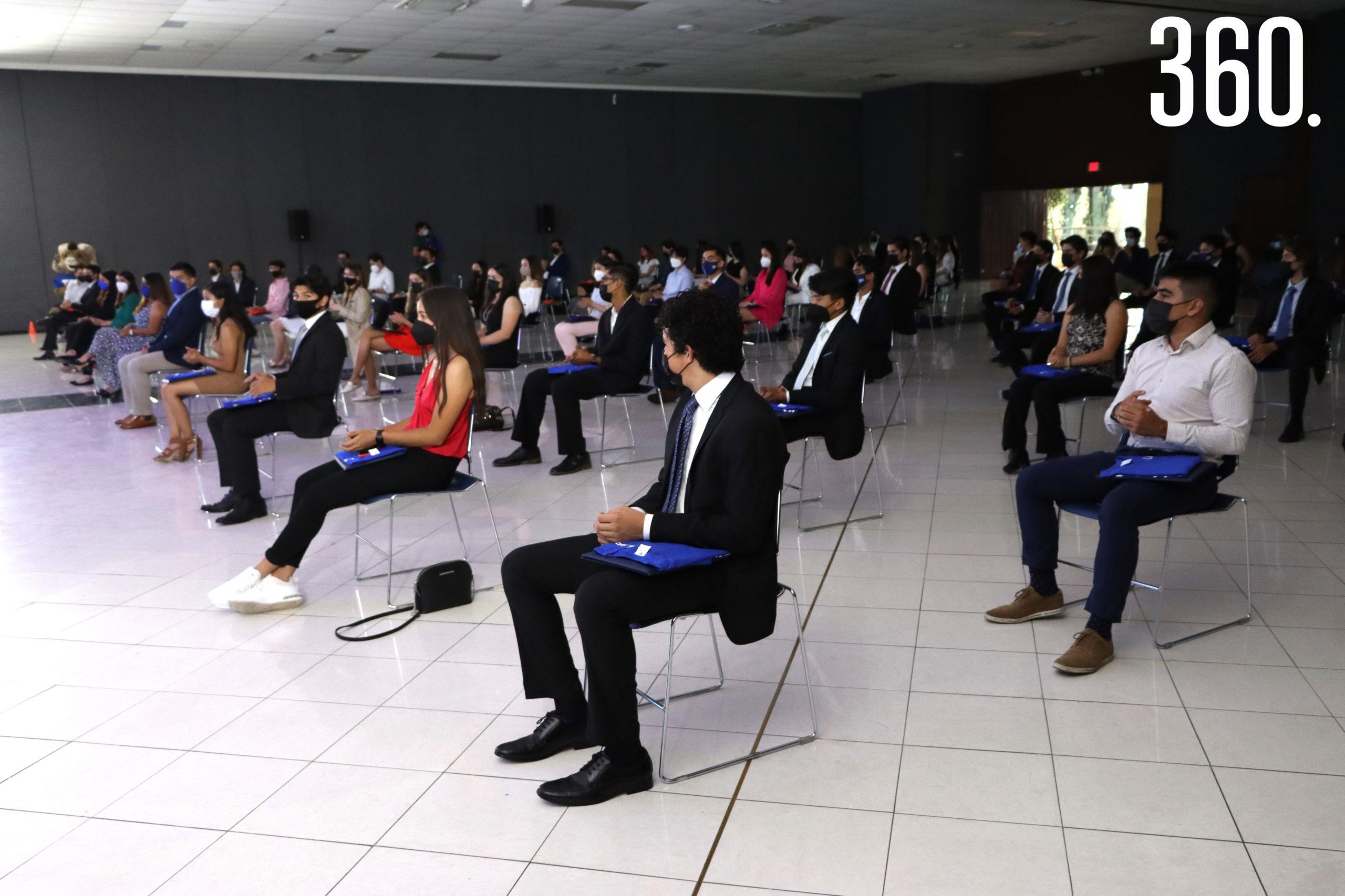 Los becarios de las áreas de Liderazgo y Vivencia, Atlético y Deportivo; y Arte y Cultura participaron en el evento bajo estrictas normas sanitarias de sana distancia y uso de antibacterial.