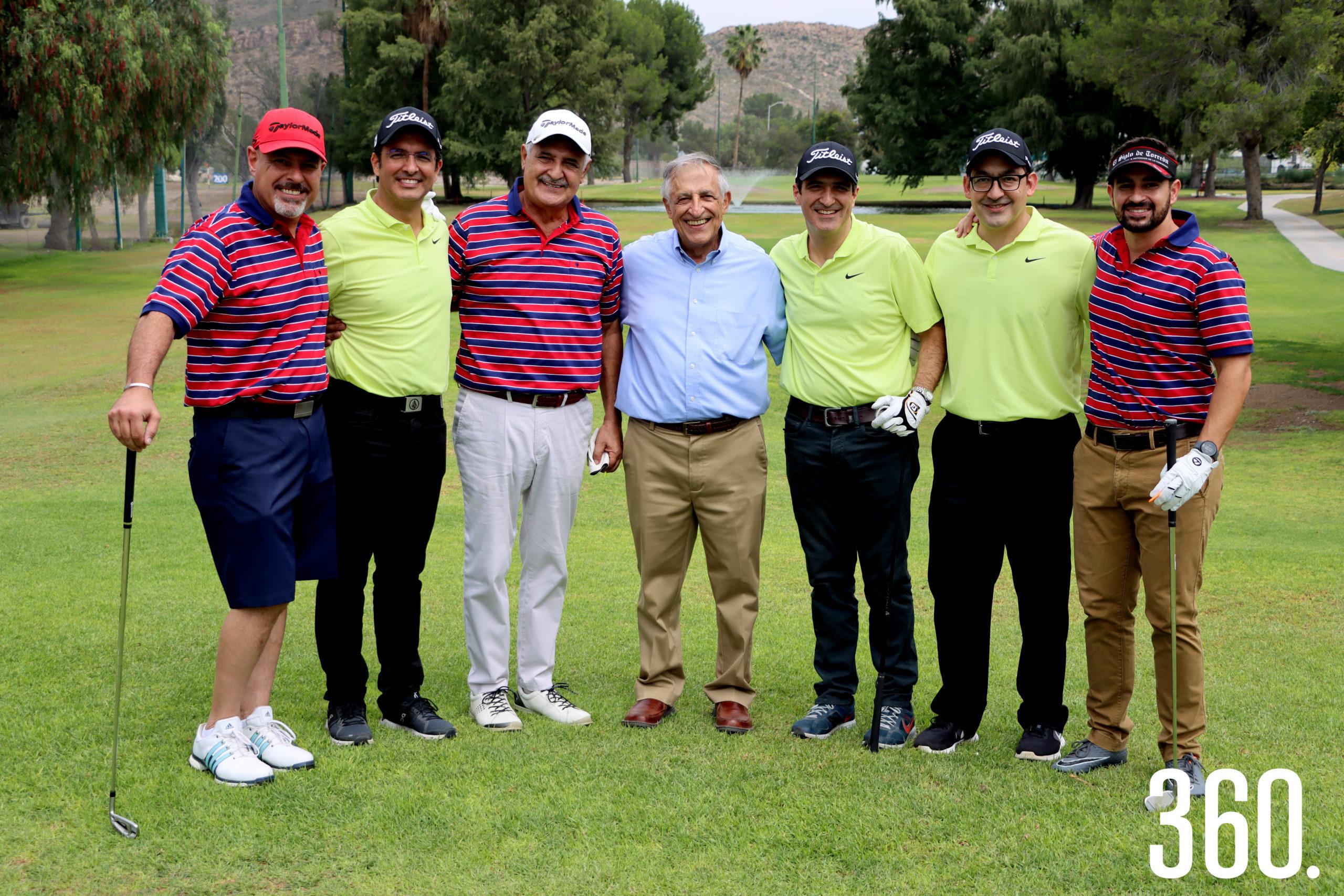 Alfredo Batarse, Ramón Mery, Miguel y Carlos Mery Milán, Carlos Mery, Ricardo Toba y Jorge Mery integraron el sixsome de honor que salió del hoyo #1.