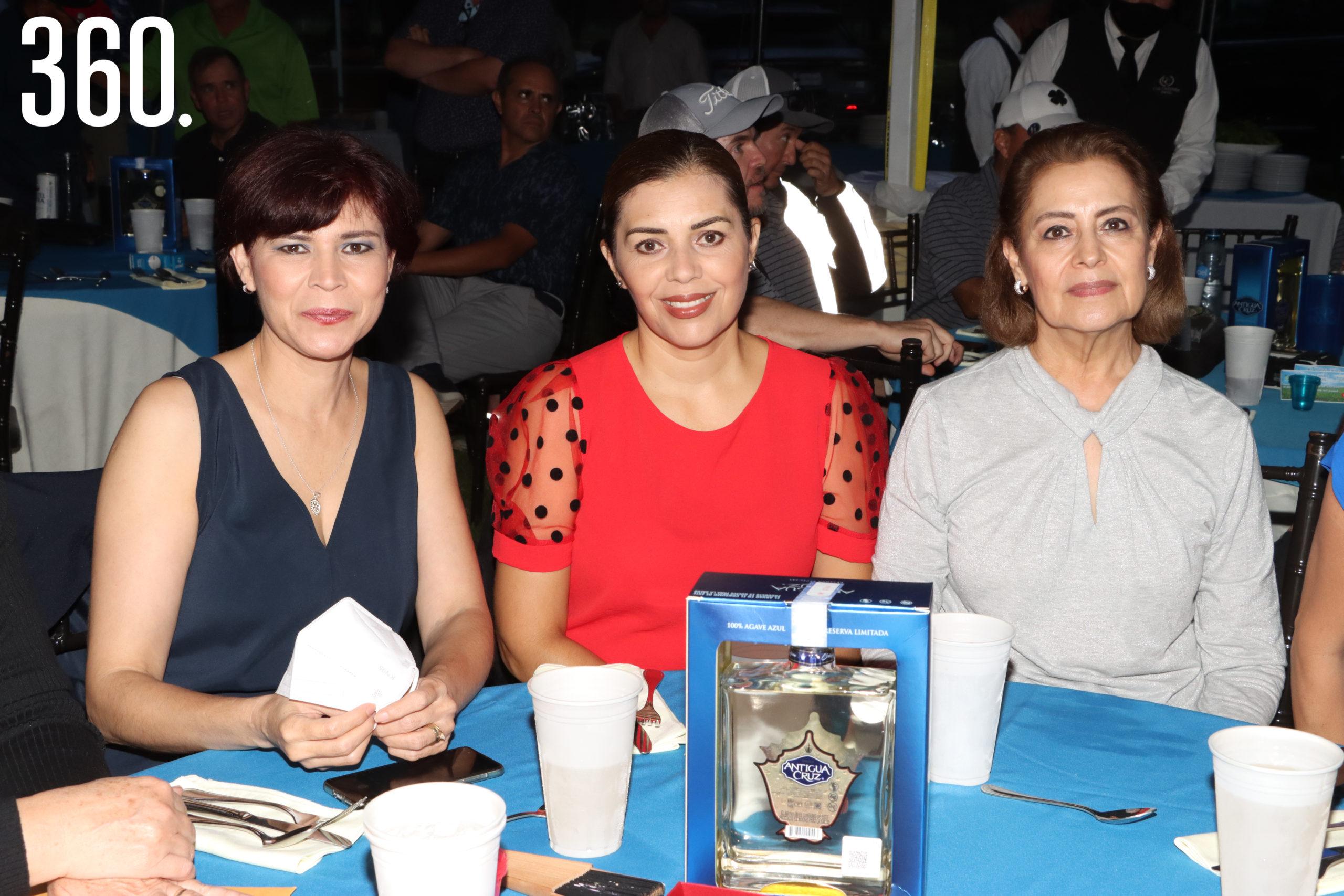 Edna Figueroa, Vicky Terrazas y Guadalupe Blanco.