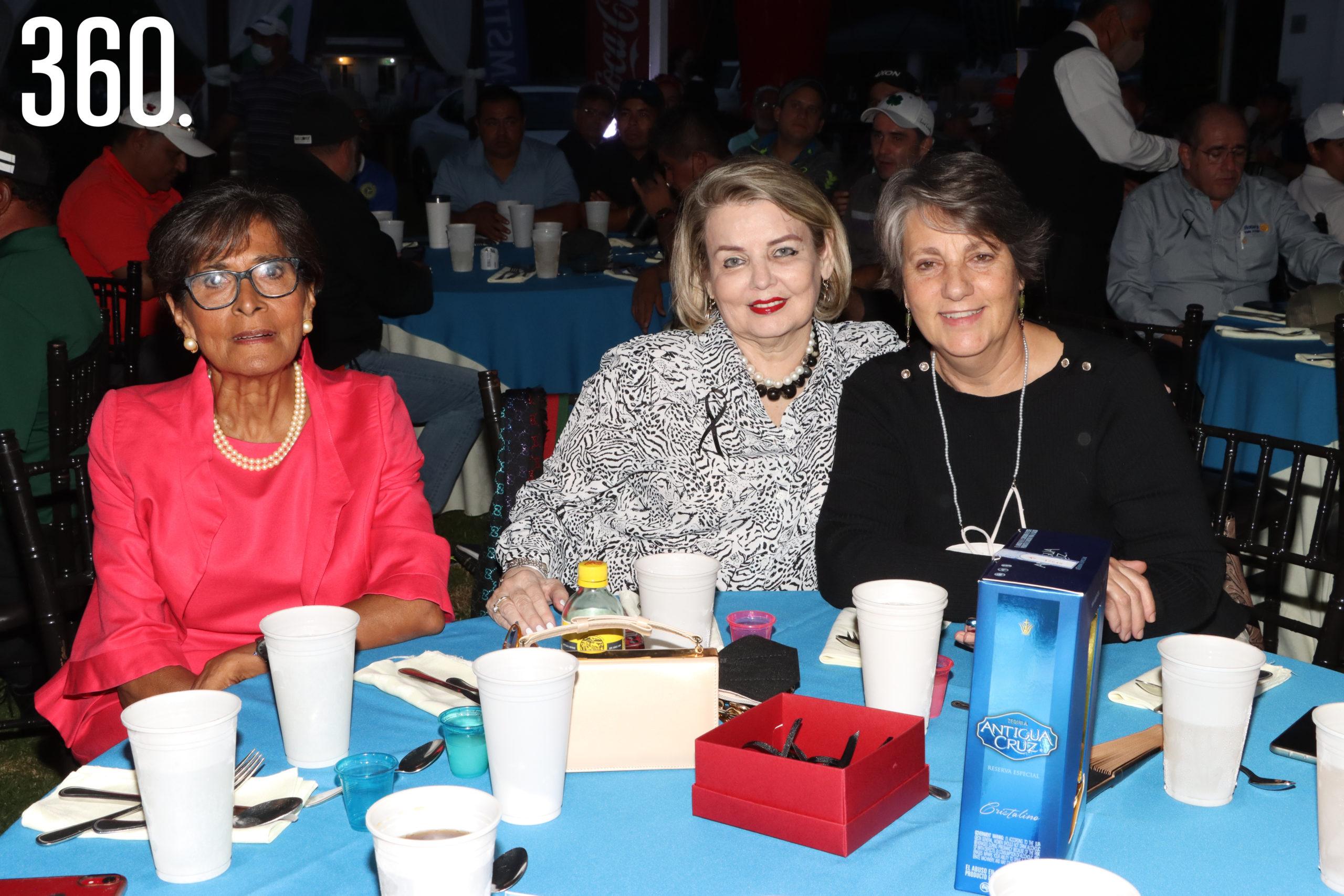 Coony Shwetzer, Blanca Martínez y Luz Milenia Recio.