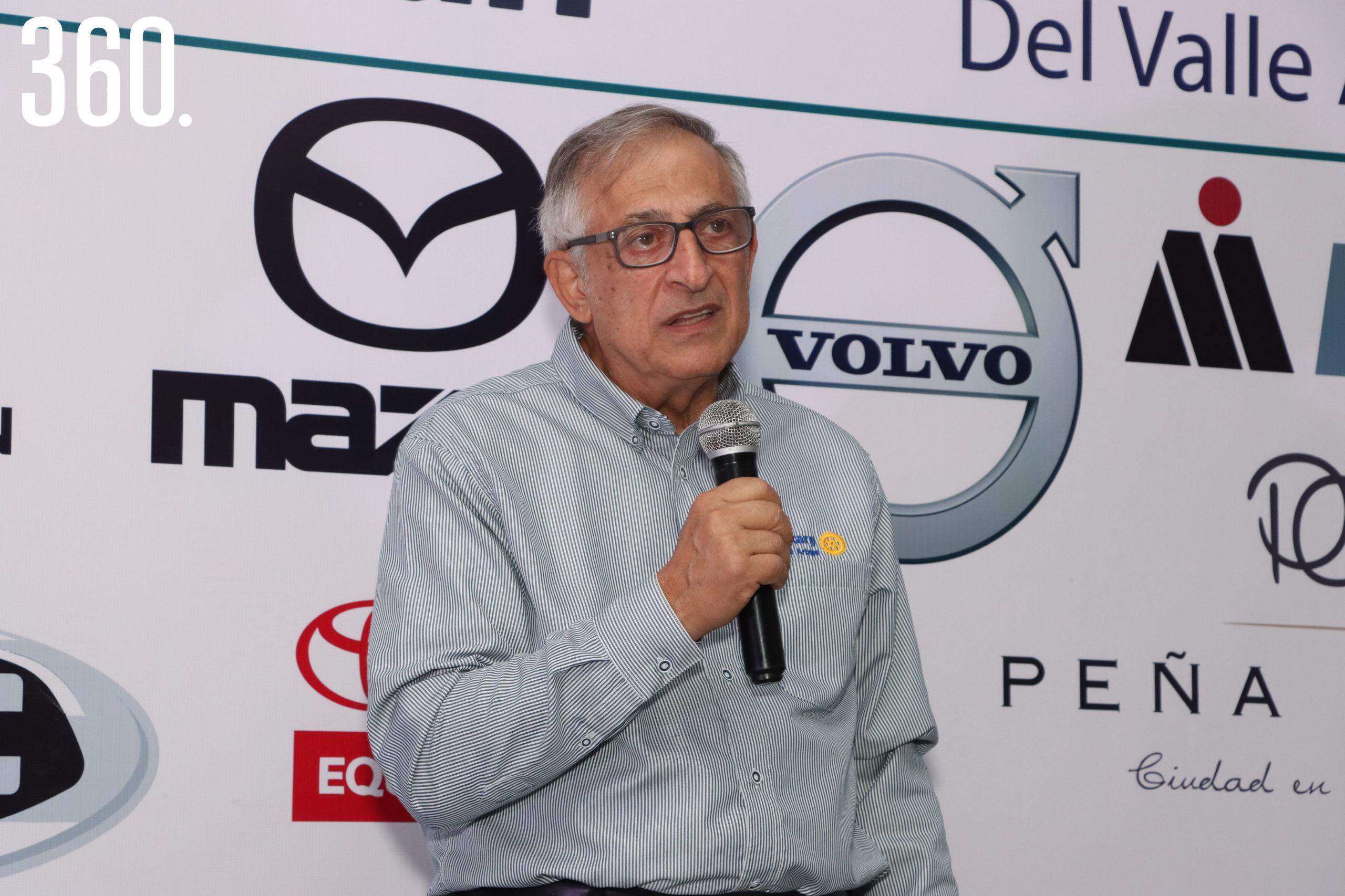 Carlos Mery Milán agradeció al club Rotario de Valle Arizpe el homenaje.