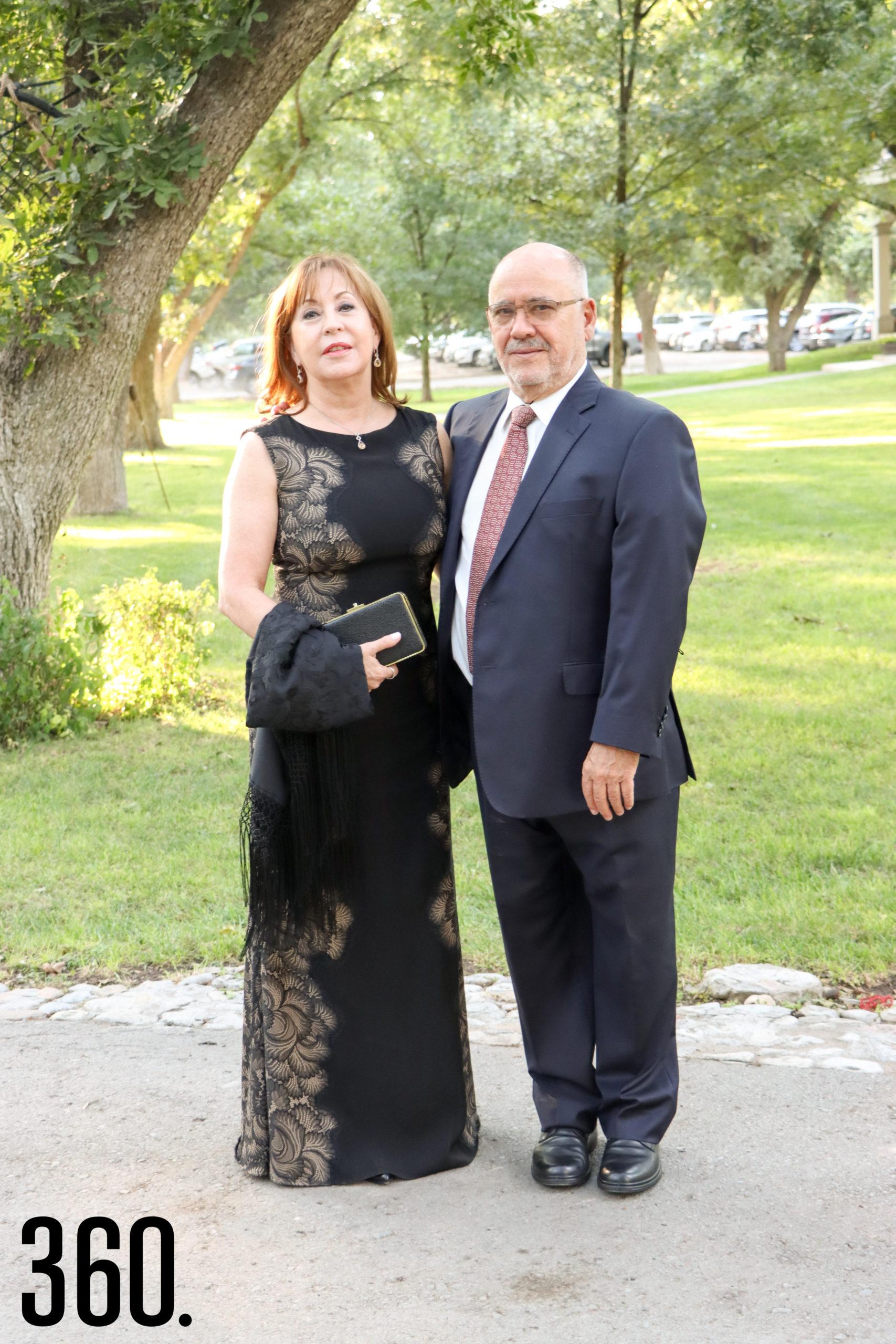 Ignacio Diego y Martha Powells.