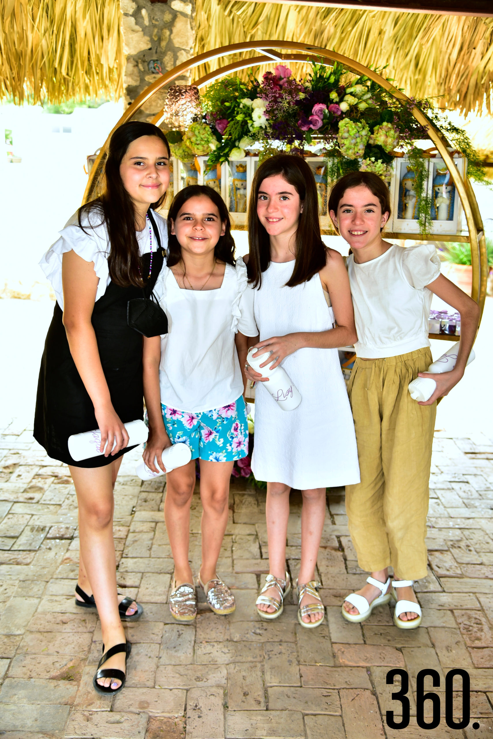 Lía Sánchez, María Sánchez, Daniela Carrillo y Gaby Carrillo.