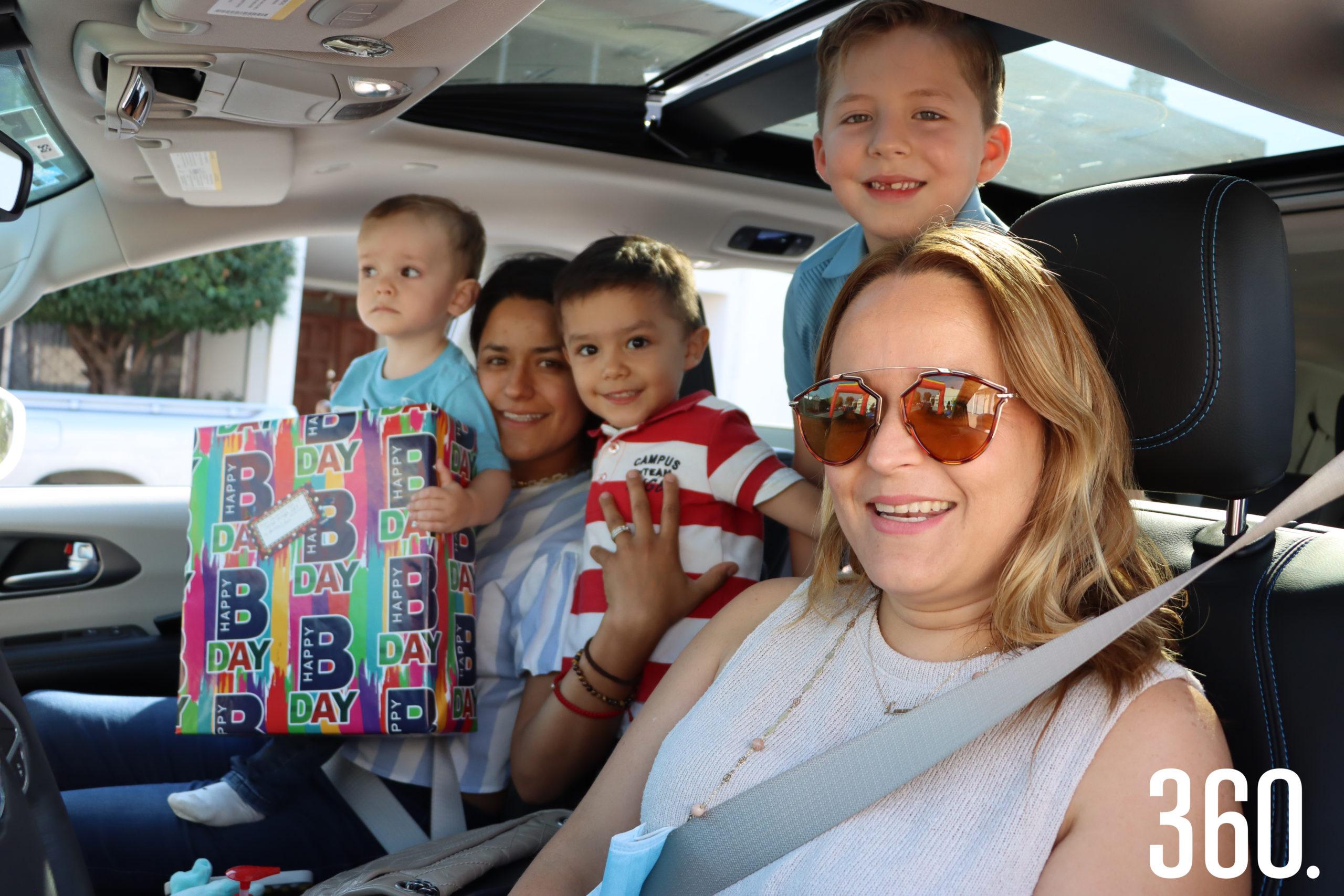 Los integrantes de la familia Dainitin Guzmán participaron en la caravana para Ana Lilia.