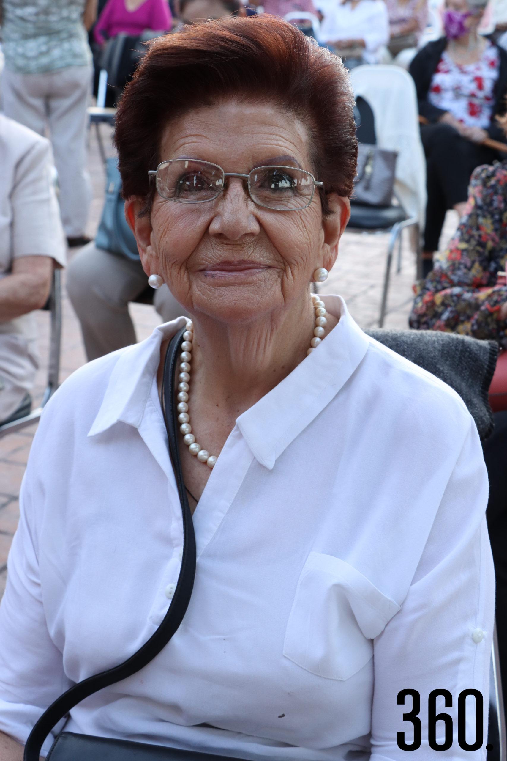 María Eugenia González de Borrego.