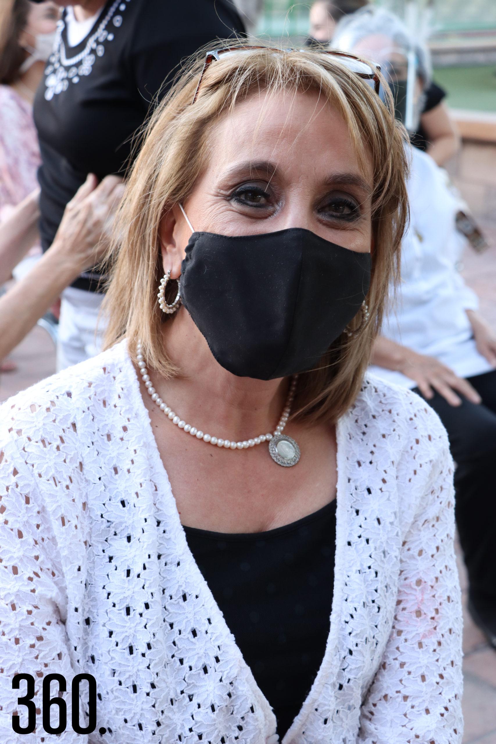 Gina Lara.