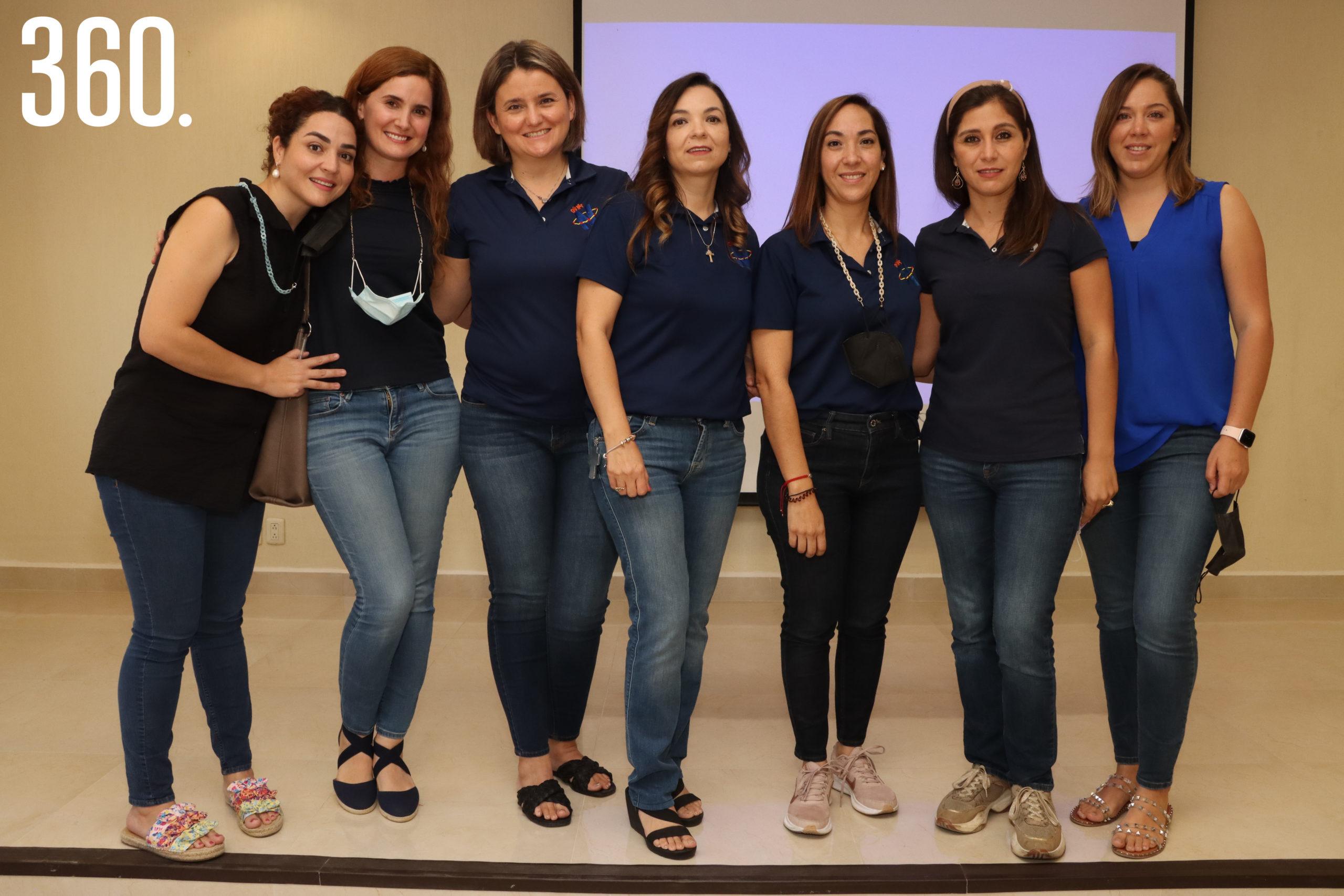 Marifer Saro, Ana Paula Ramos, Ceci Blanco, Ayme Aguirre, Gabriela Cabello, Berenice Riojas y Alejandra Flores integrantes de la dircetiva del Club Net Saltillo.