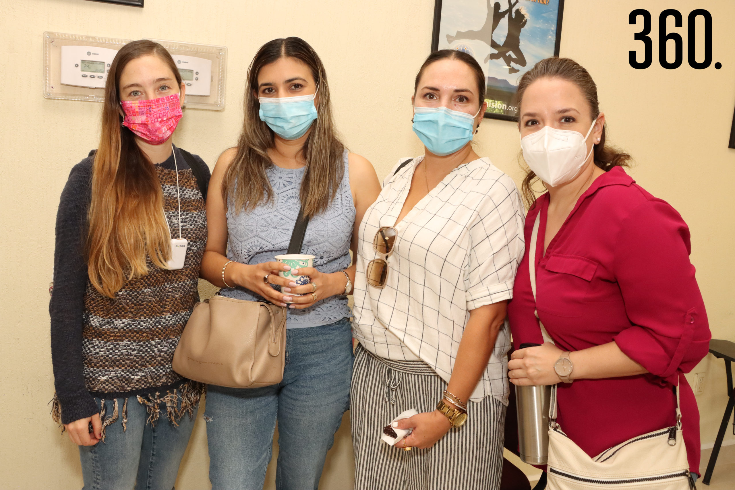 Anabel Guajardo, Cecí Castillo, Elizabeth Serna y Laura Dorbecker.