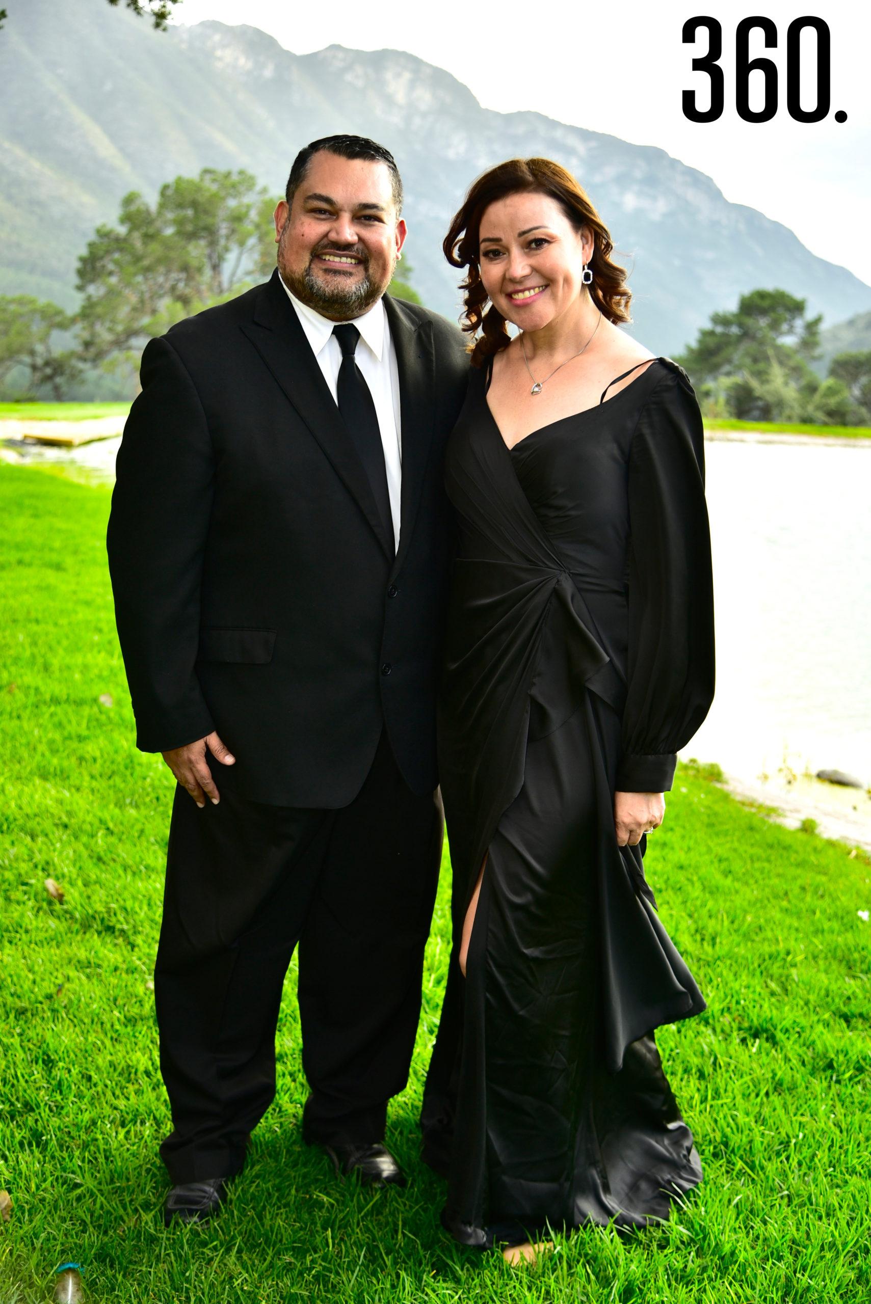 Oscar Saucedo y Erika Cavazos.