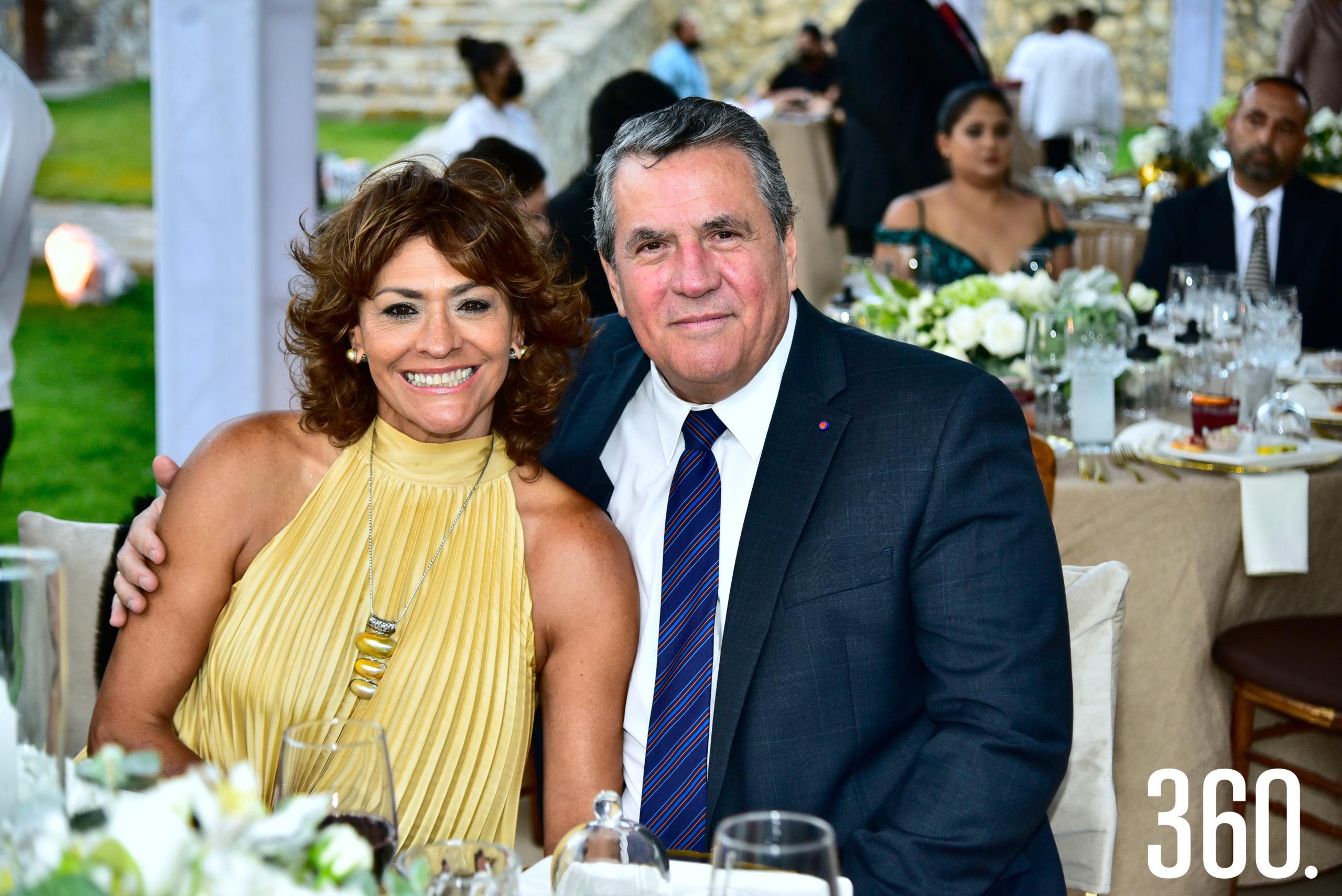 Olivia Flores de Prado y Armando Prado.