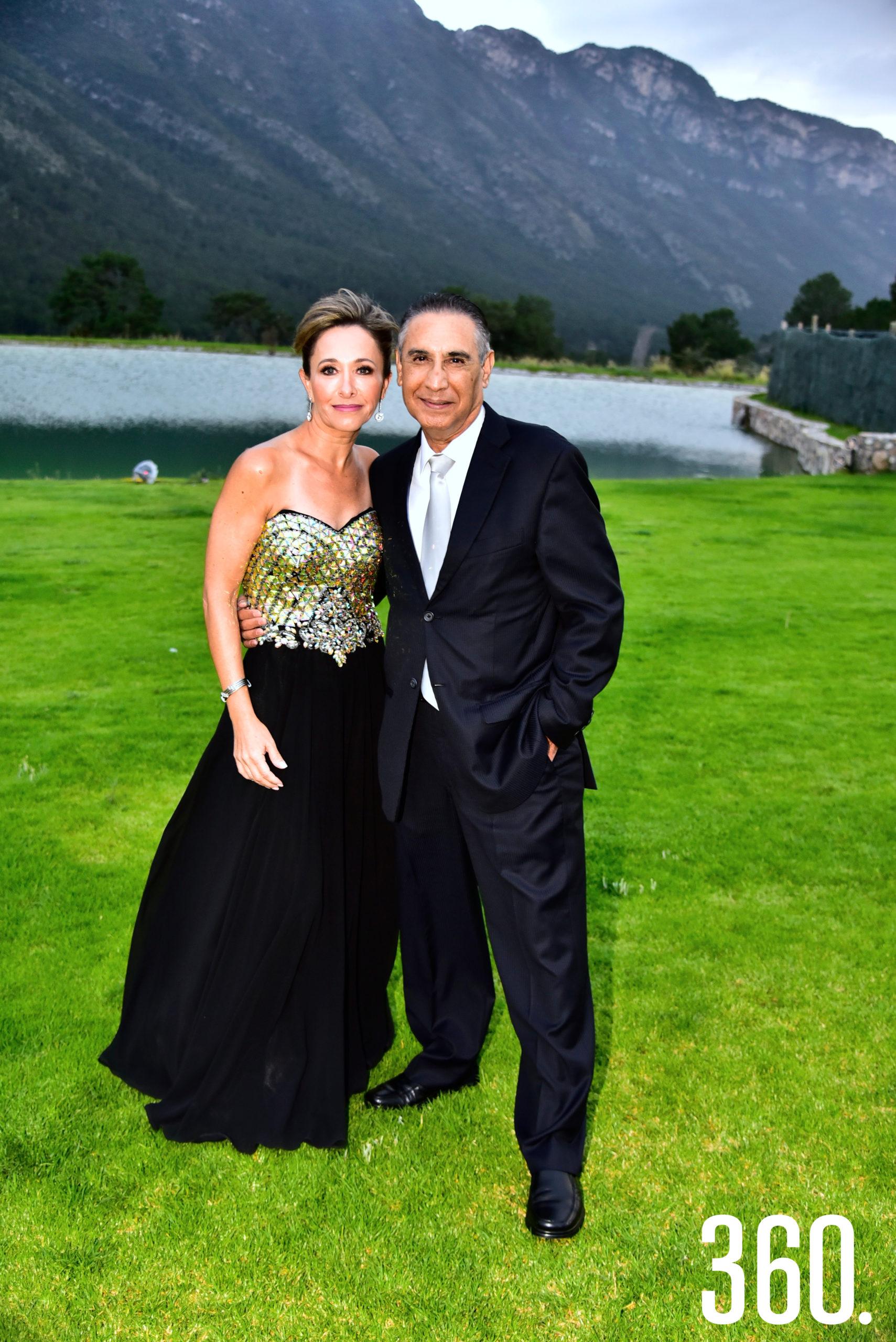 Anabel Favila y Roberto Favila.