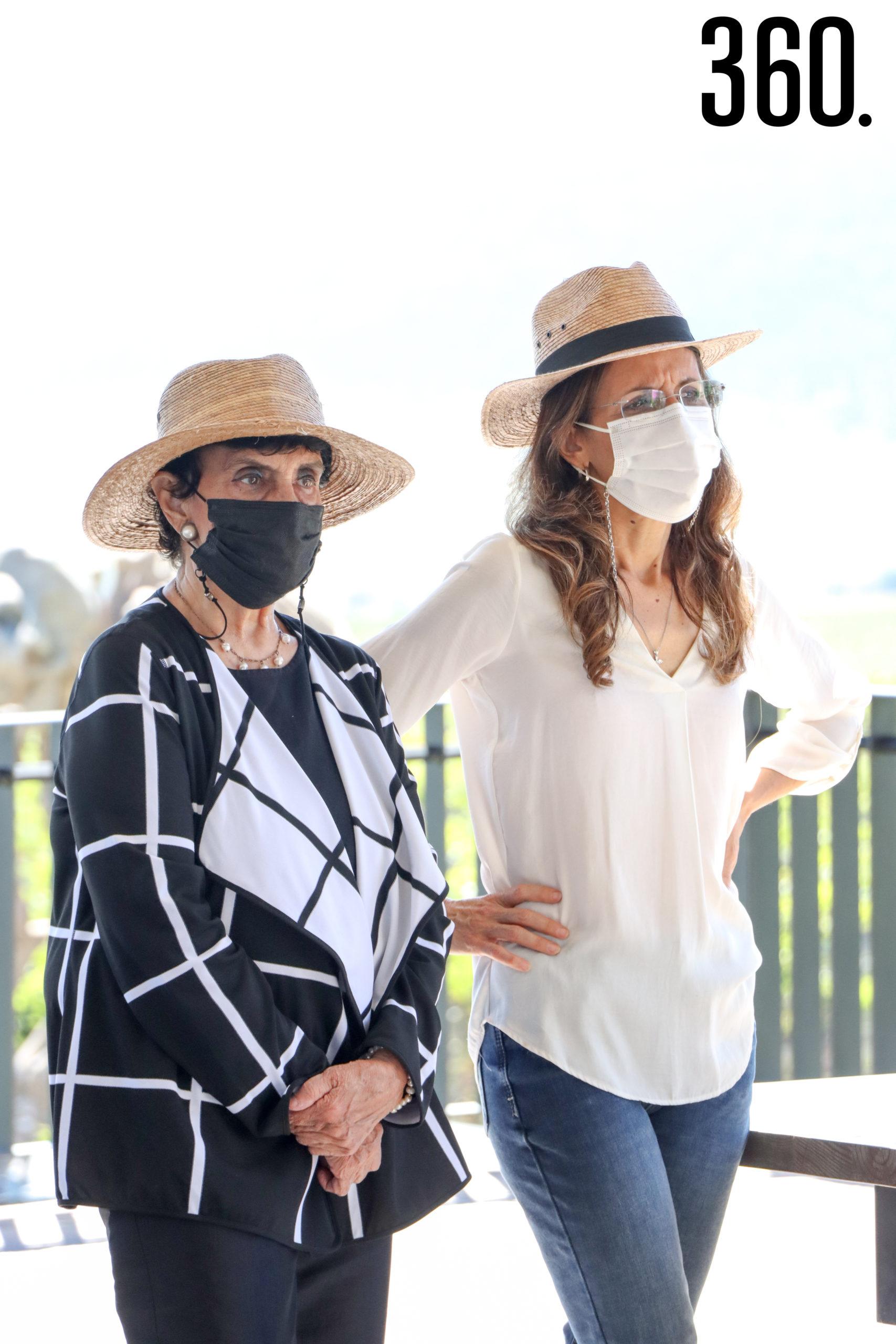 Adriana de Silva y Leticia Irigoyen.