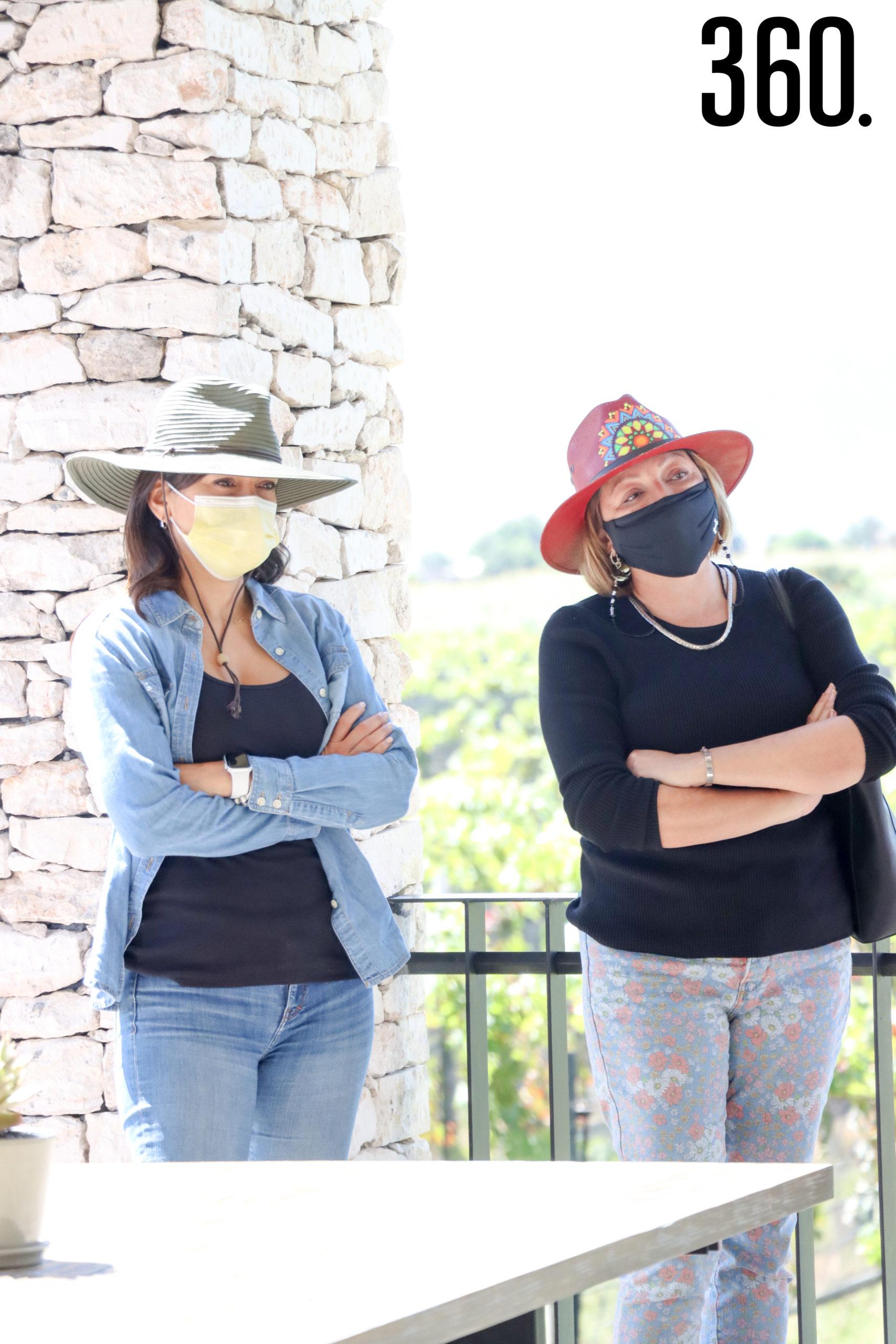 Nadia Ortiz y Ale Castañeda.