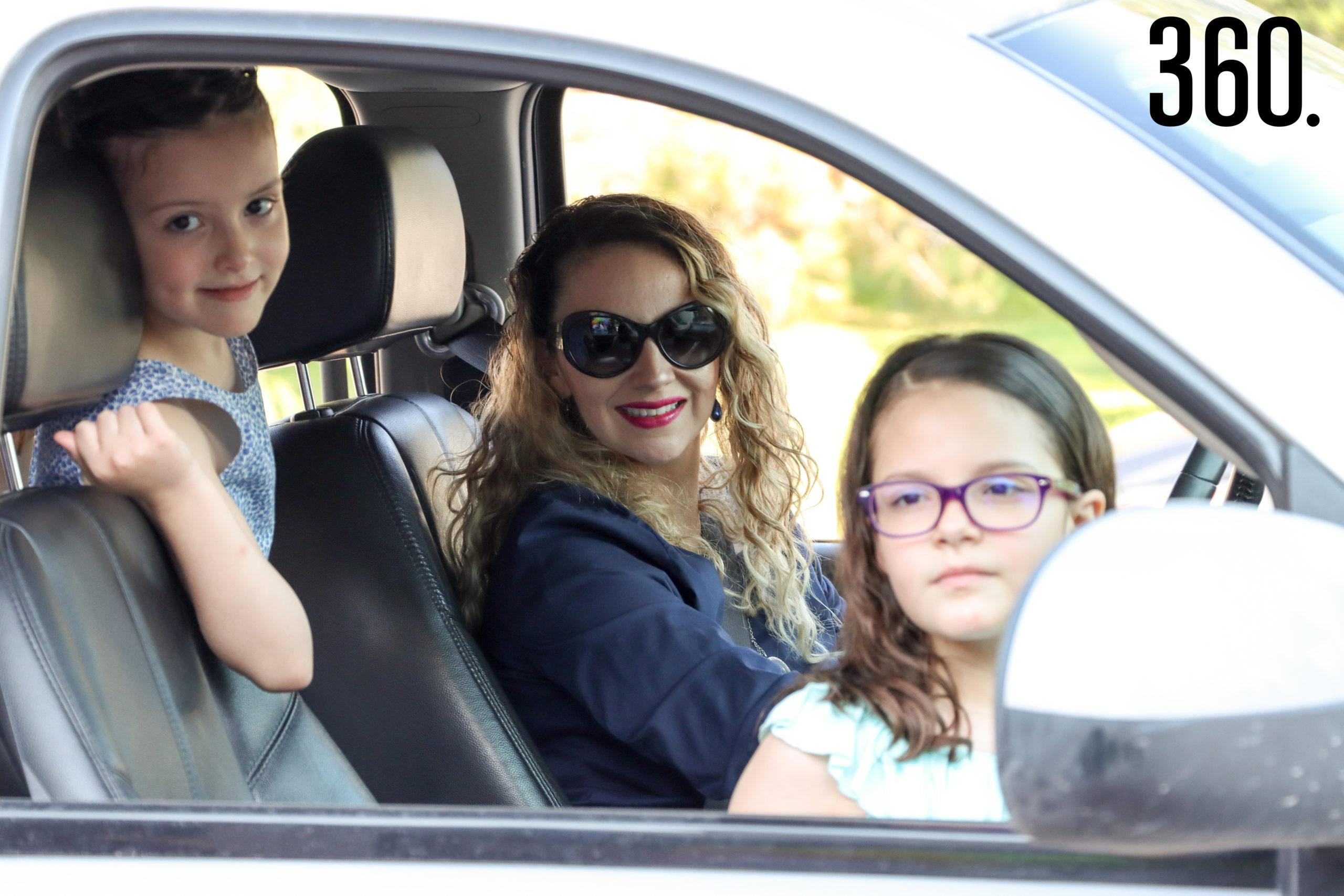 Constanza, Camila y Daniela Gutiérrez.