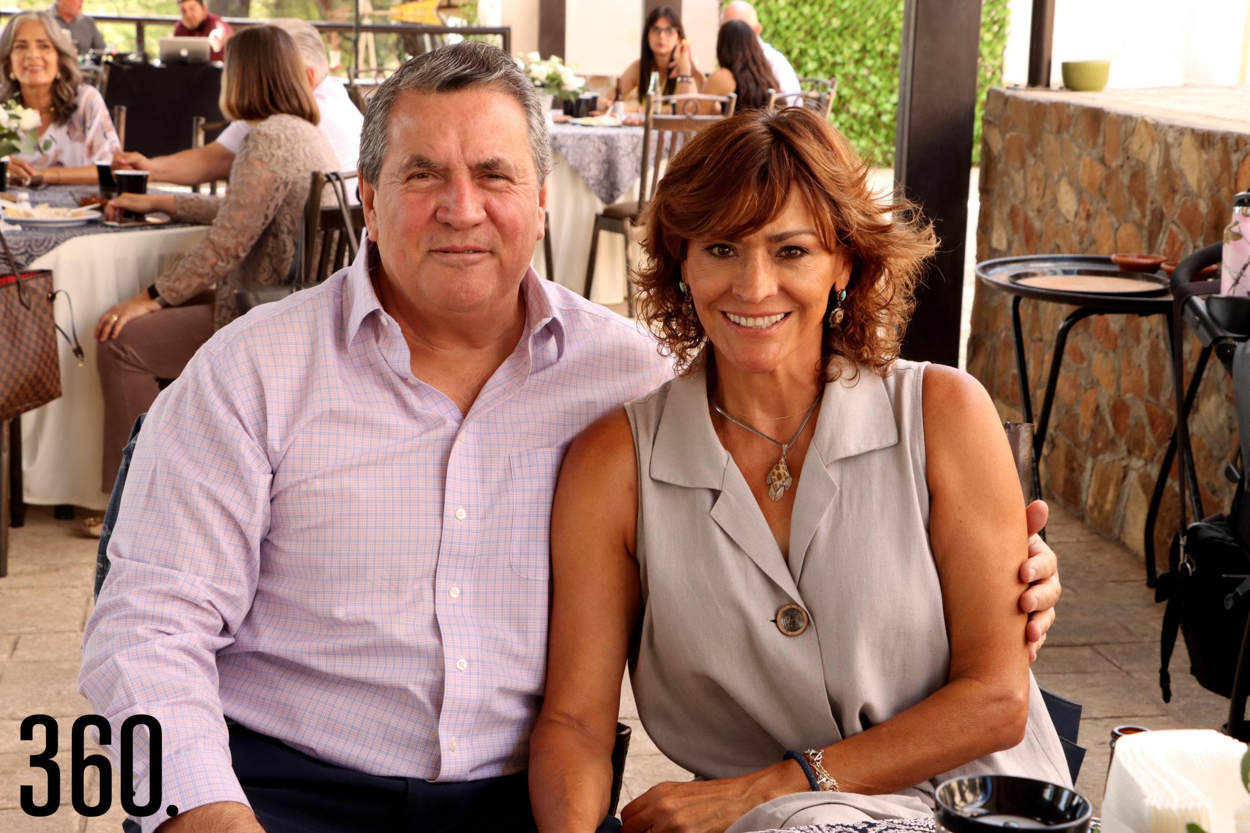 Armando y Olivia Prado.